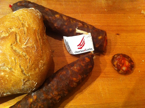 File:Chorizo de Leon con Marca de Garantía.jpg