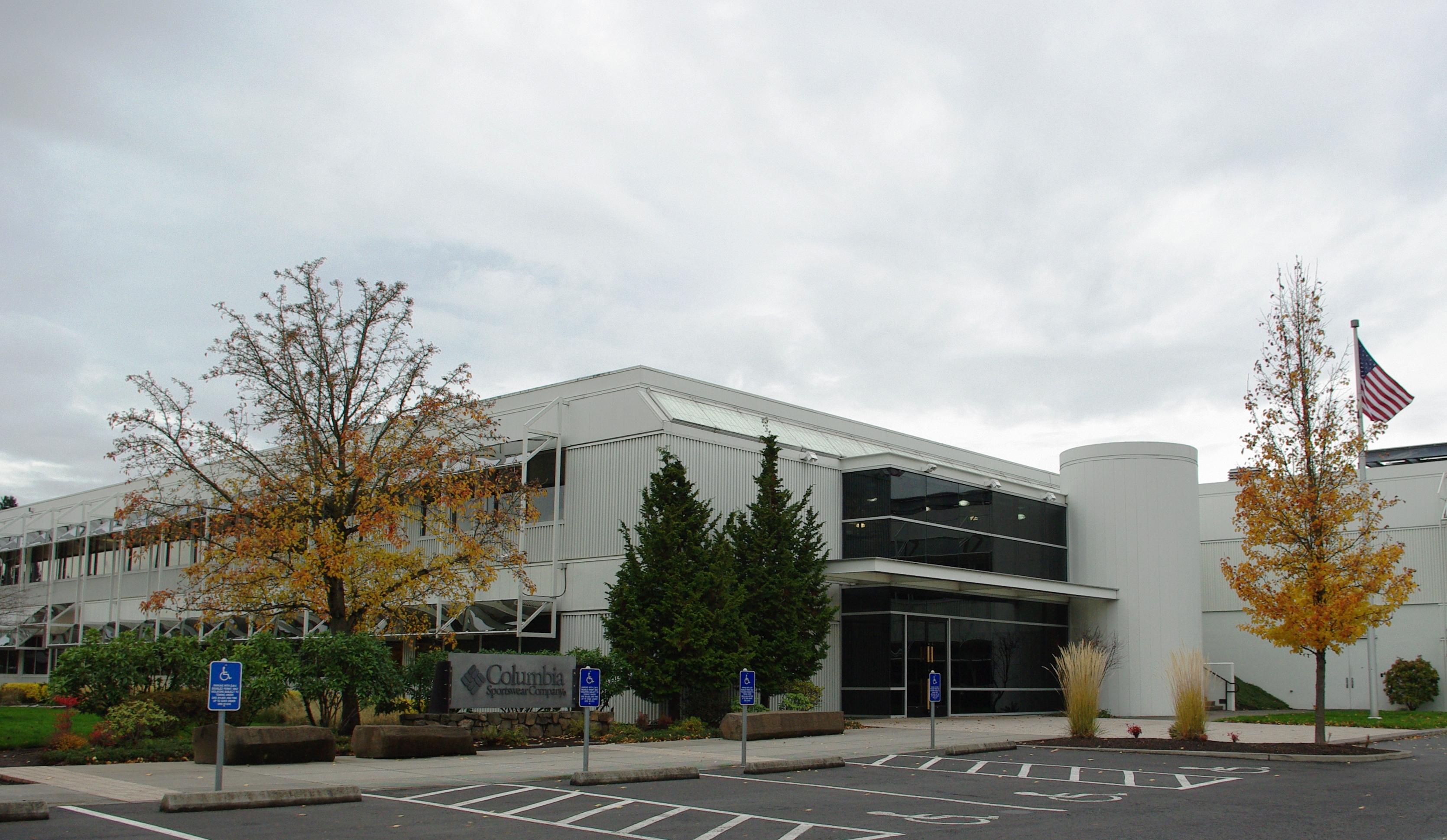 fffae5ca76a File:Columbia Sportswear headquarters - Cedar Mill, Oregon.jpg ...