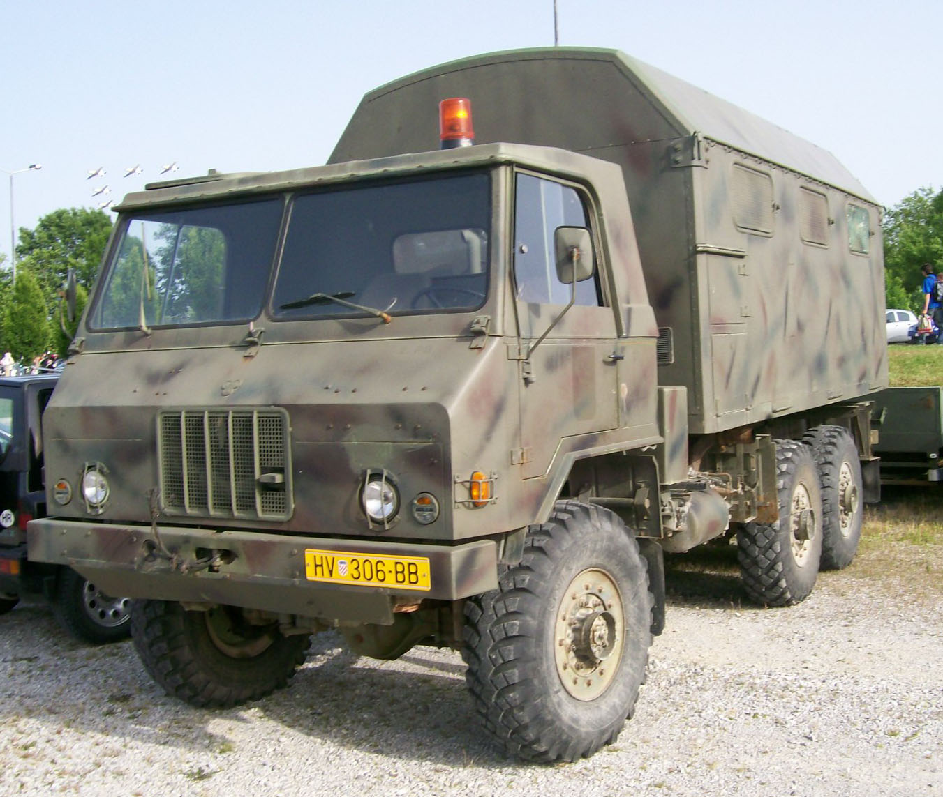 File Croatian Army Truck Jpg Wikimedia Commons