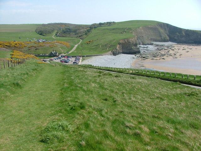 Descending towards Dunraven Bay - geograph.org.uk - 161825