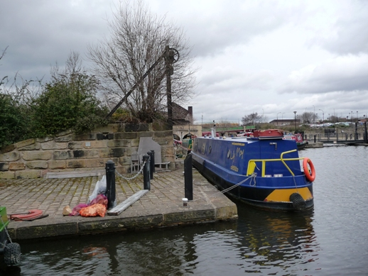 Disused staith, Sheffield canal basin - geograph.org.uk - 1760462