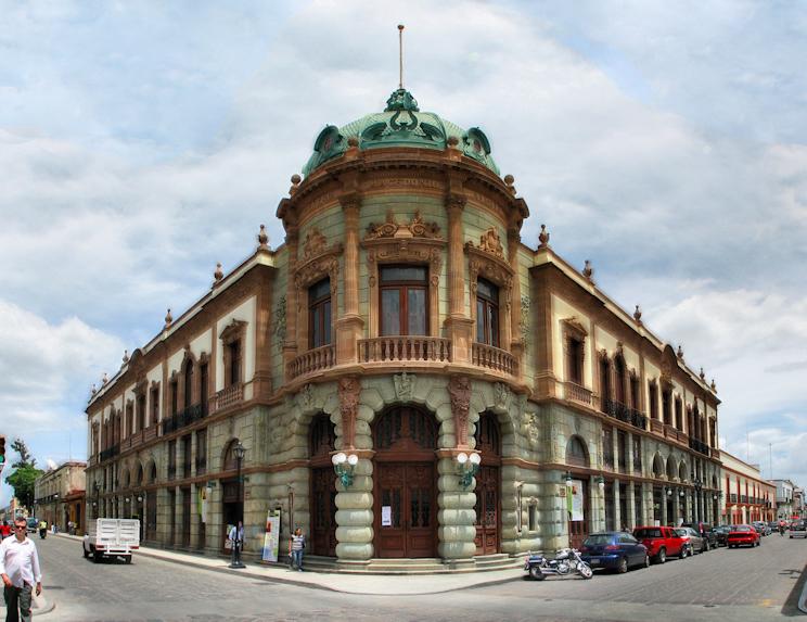 El teatro Macedonio Alcalá Oaxaca Mexico.jpg