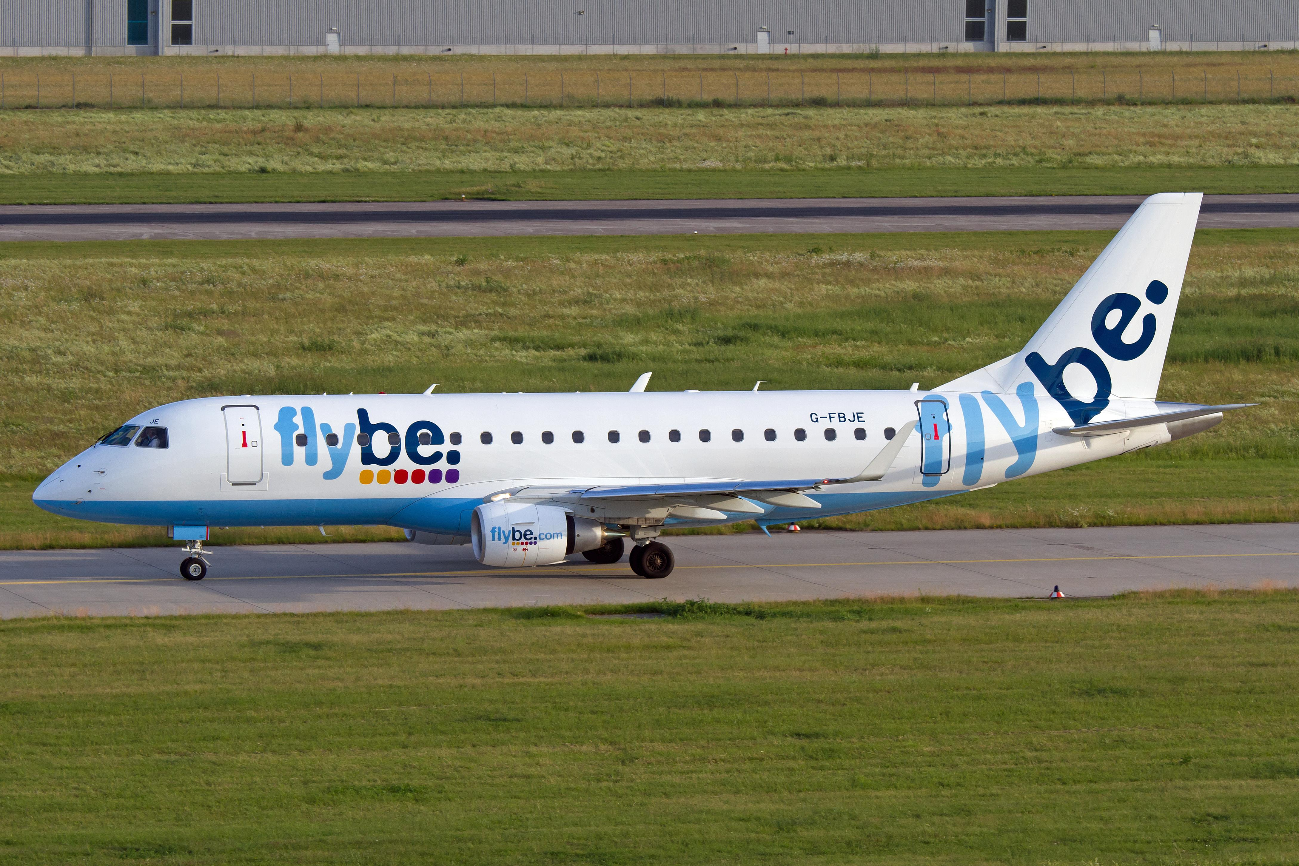 Embraer_175_%28Flybe%29_%287389330004%29.jpg?profile=RESIZE_710x