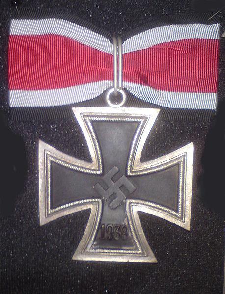 Bestand:Grootkruis van het IJzeren Kruis uit 1939 copie.jpg