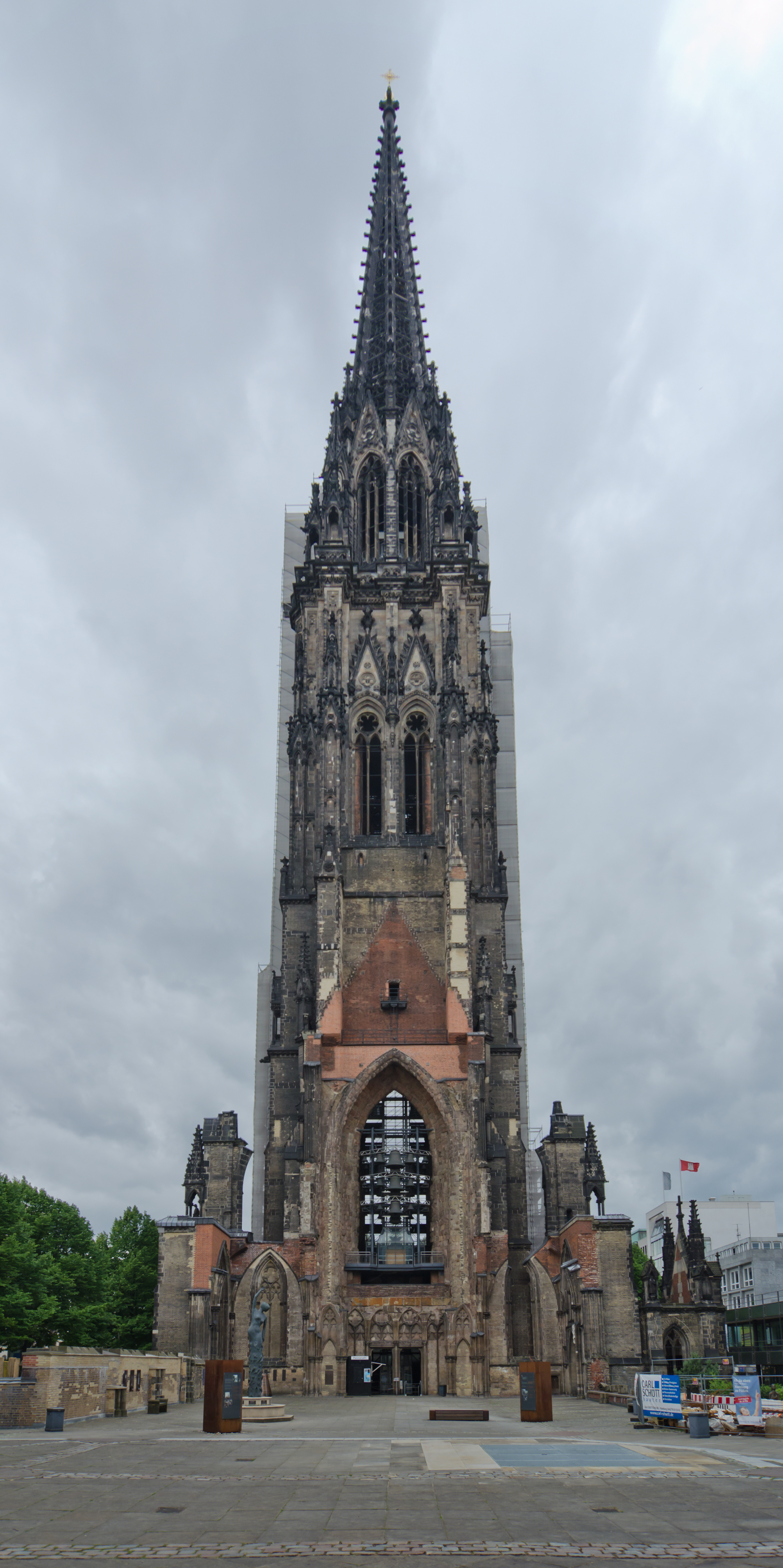 Hamburg_St.Nicolai.jpg
