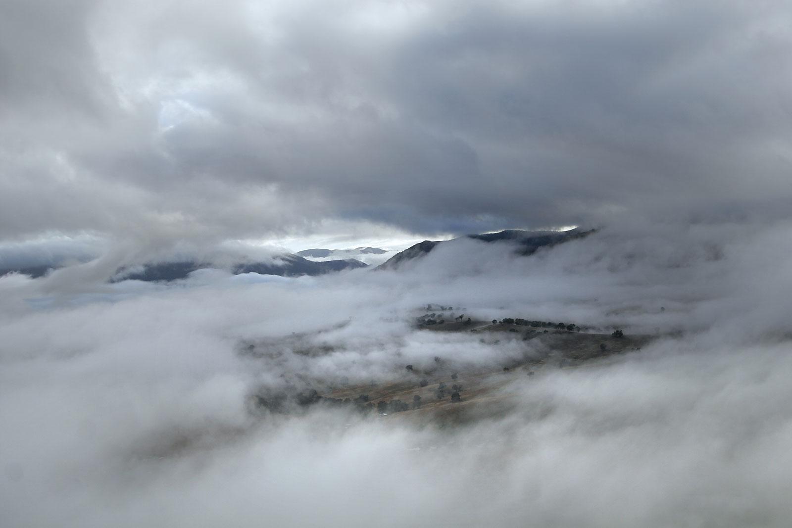 File:Heavy mist.jpg - Wikimedia Commons