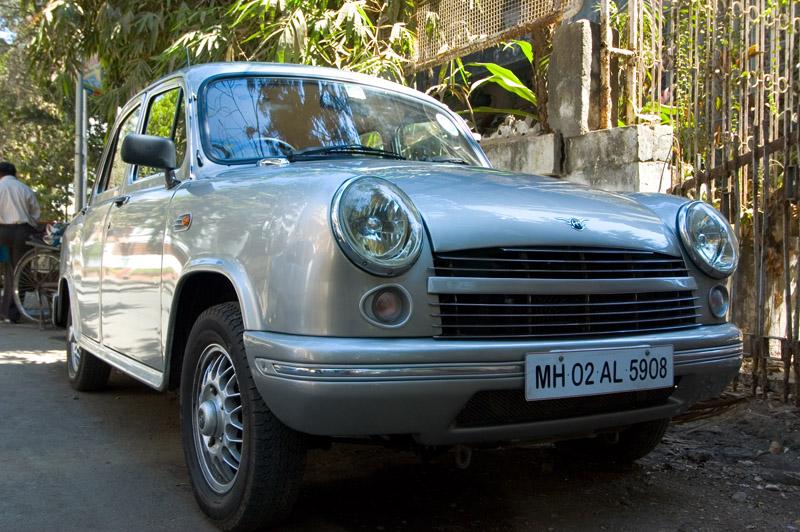 Hindustan_Motors_Ambassador_Avigo_4281.j