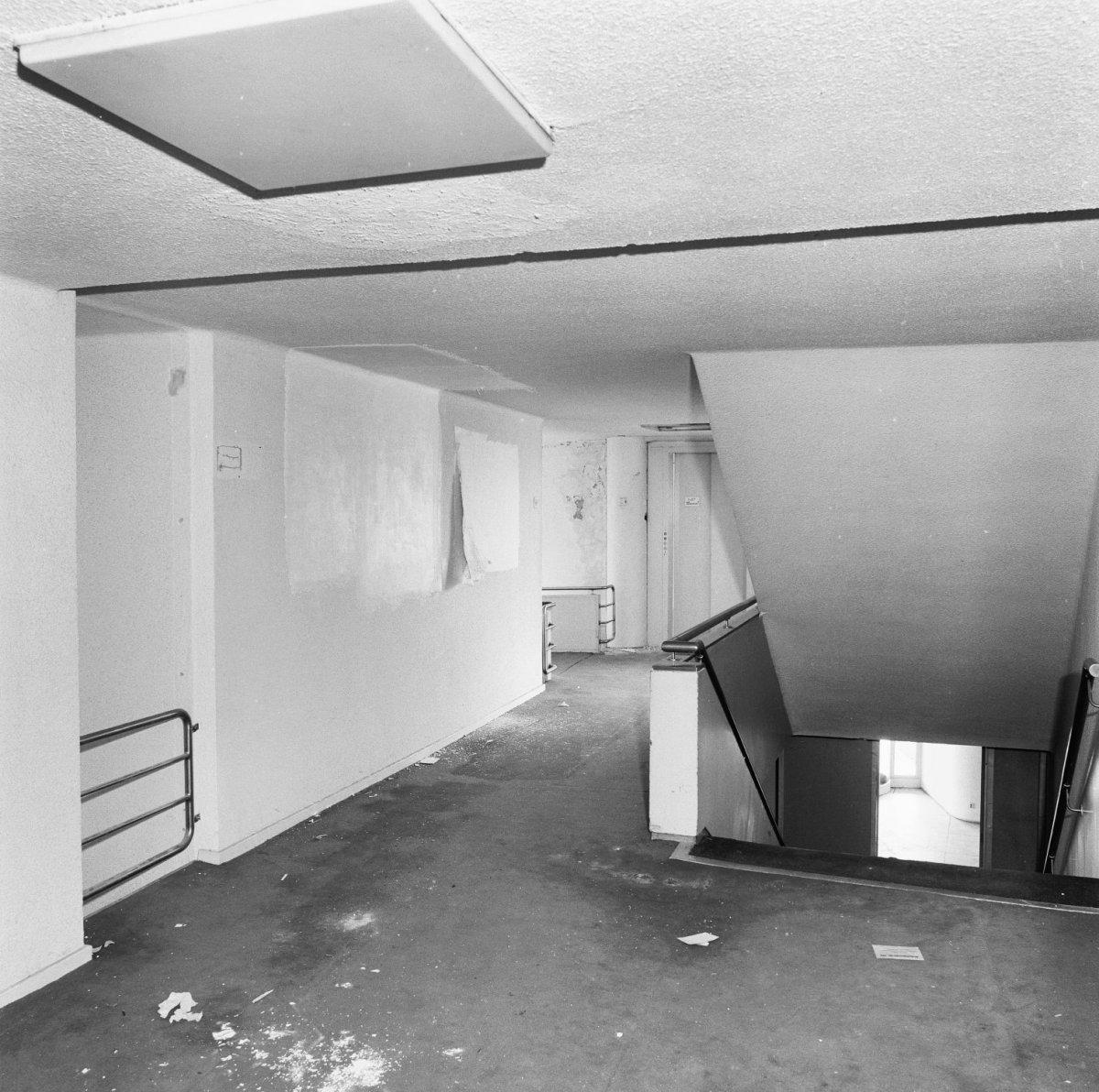 File interieur hotel eerste verdieping overloop met for Hotel interieur