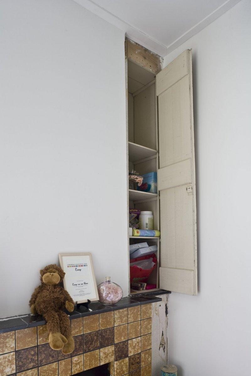 fileinterieur kinderkamer hoekkastje met open deur groningen 20416103 rce