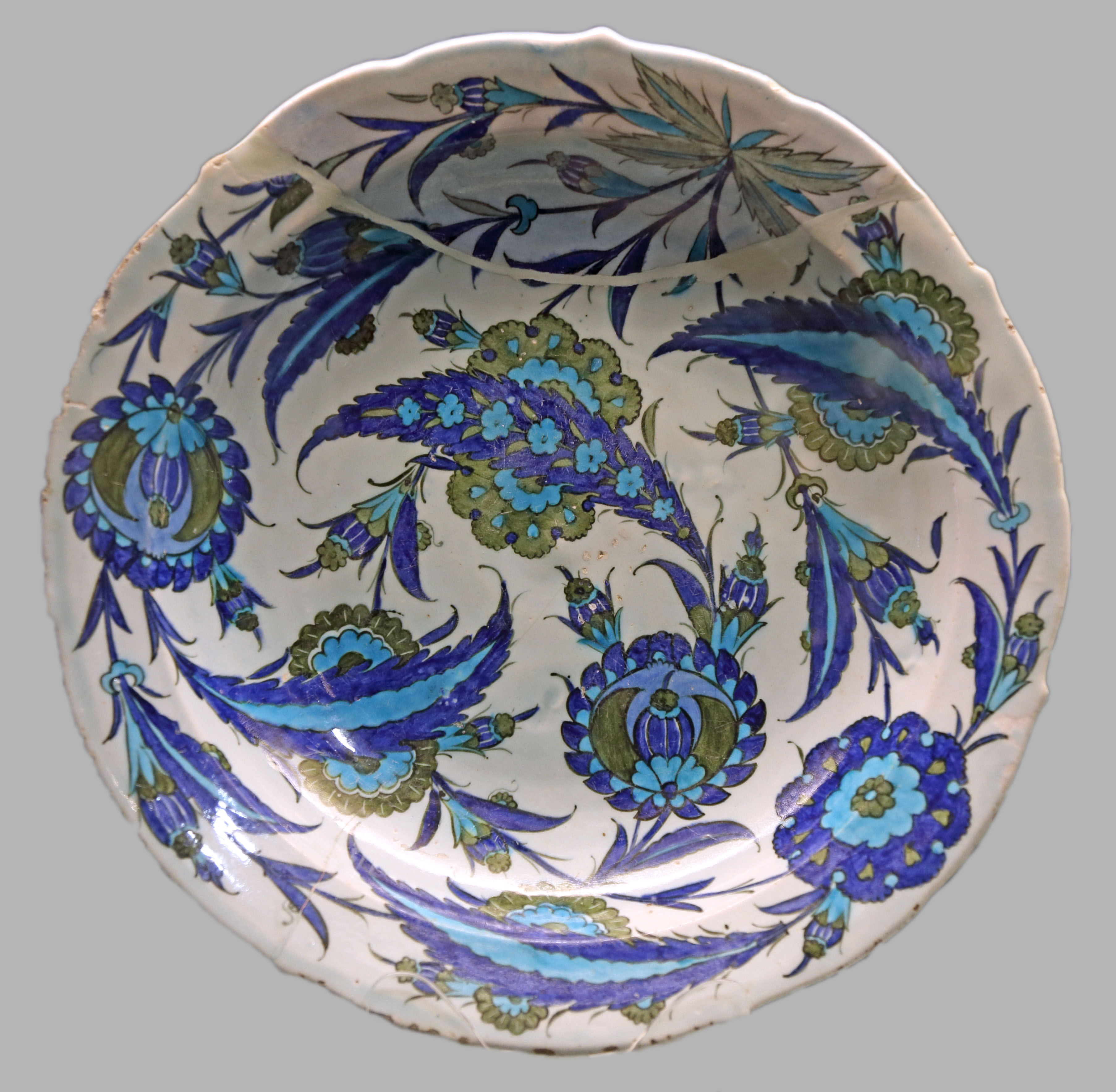 dating iznik pottery An iznik pottery jug,  dating back to the rule of the seljuqs this ewer belongs to a group decorated with bold cobalt blue stripes associated with kashan.