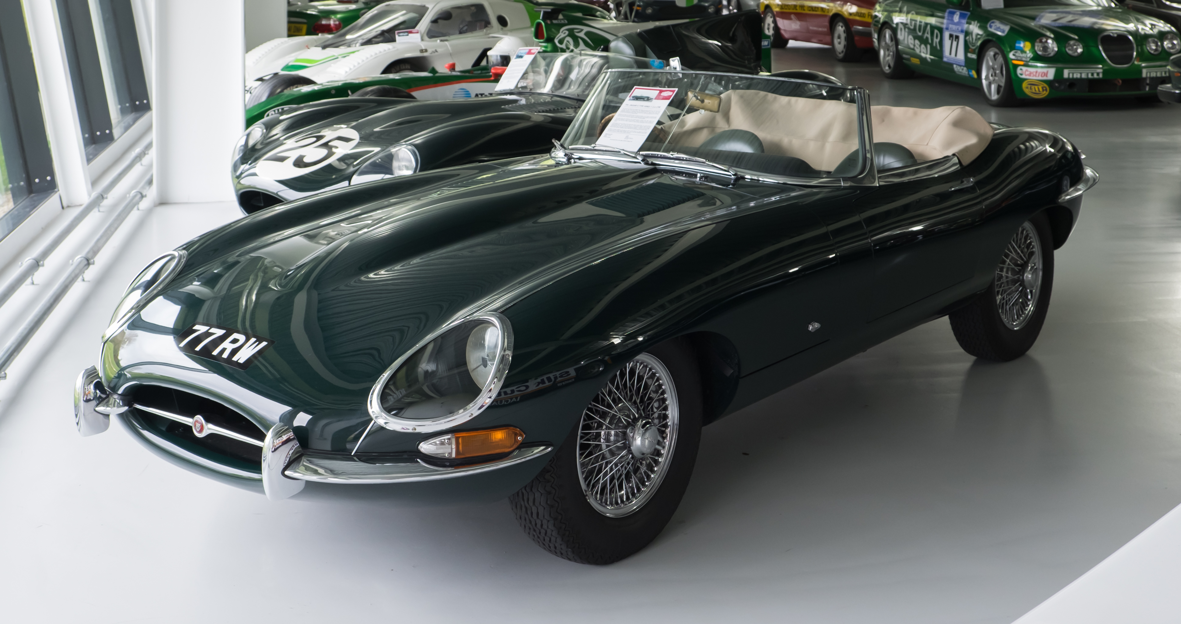 Jaguar E Type Wikipedia Alternator Wiring Electrical Instruments Jensen Healey