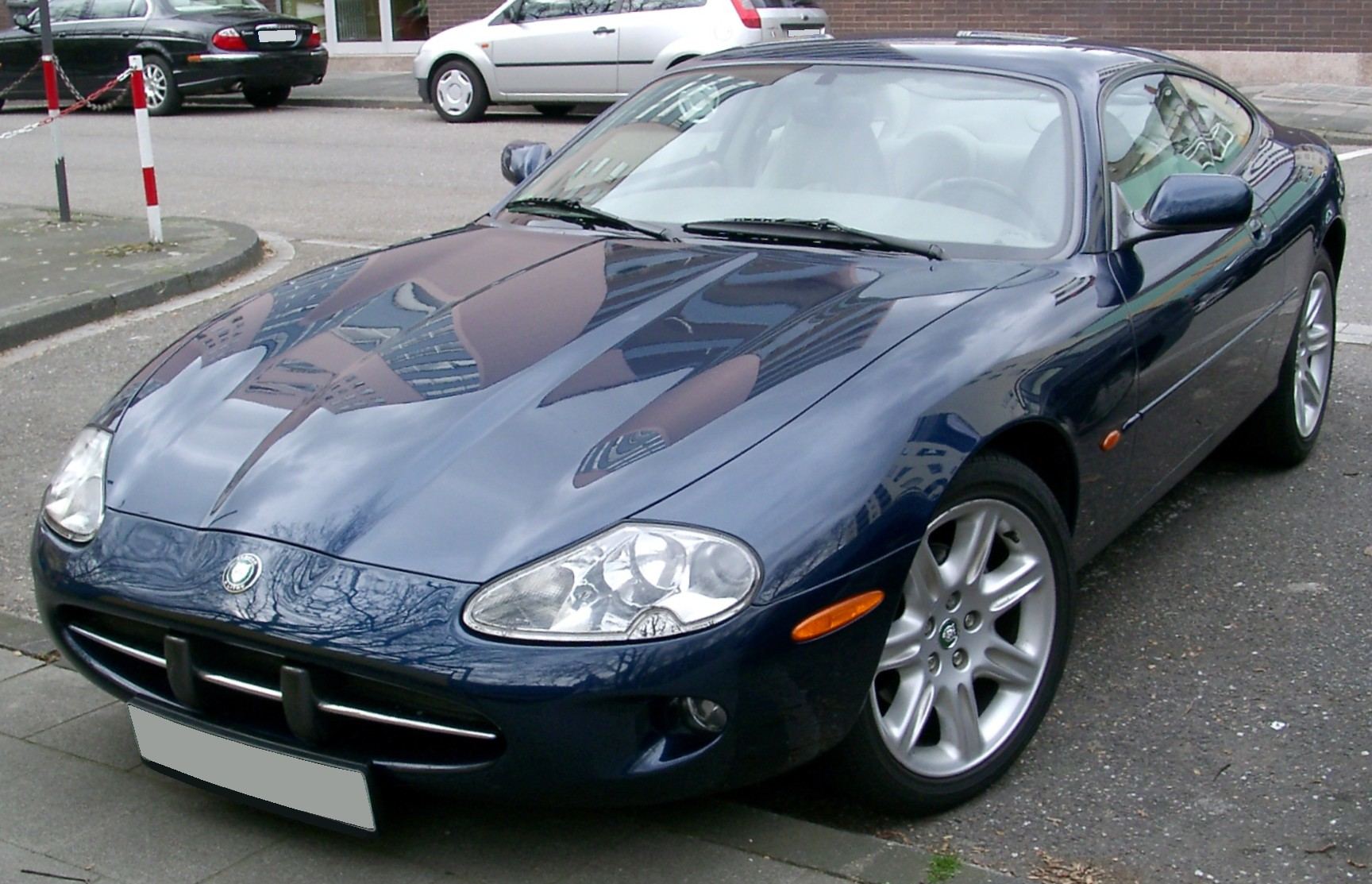 1000 images about jaguar xkr on pinterest. Black Bedroom Furniture Sets. Home Design Ideas
