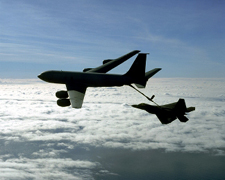 KC-135 refueling a F-22 Raptor.jpg