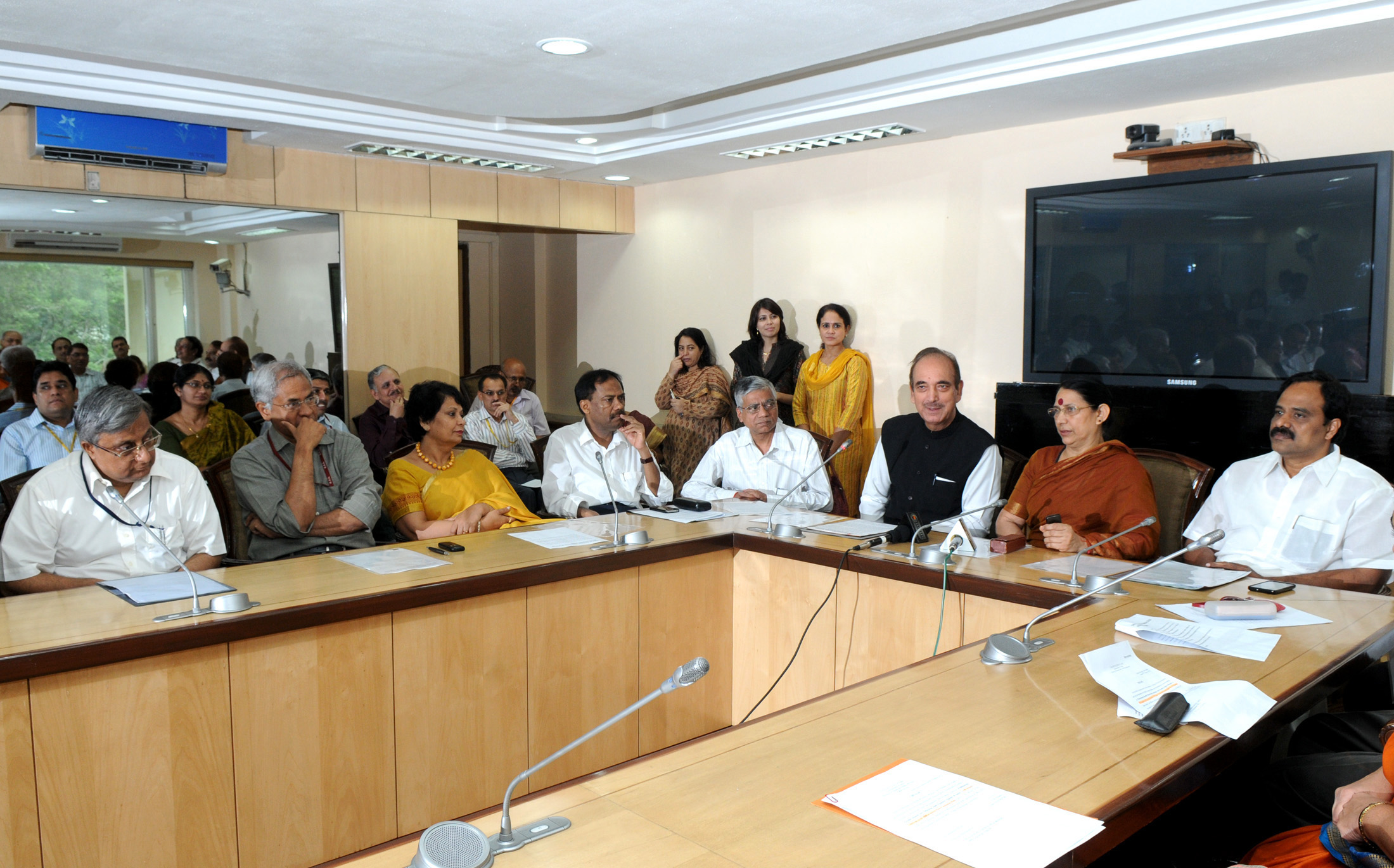 the Union Minister for Health and Family Welfare, Shri Ghulam Nabi Azad and Minister of State of Health and Family Welfare (1).jpg English: The Minister