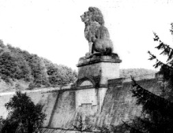 Lion on the Gileppe Talsperre.jpg