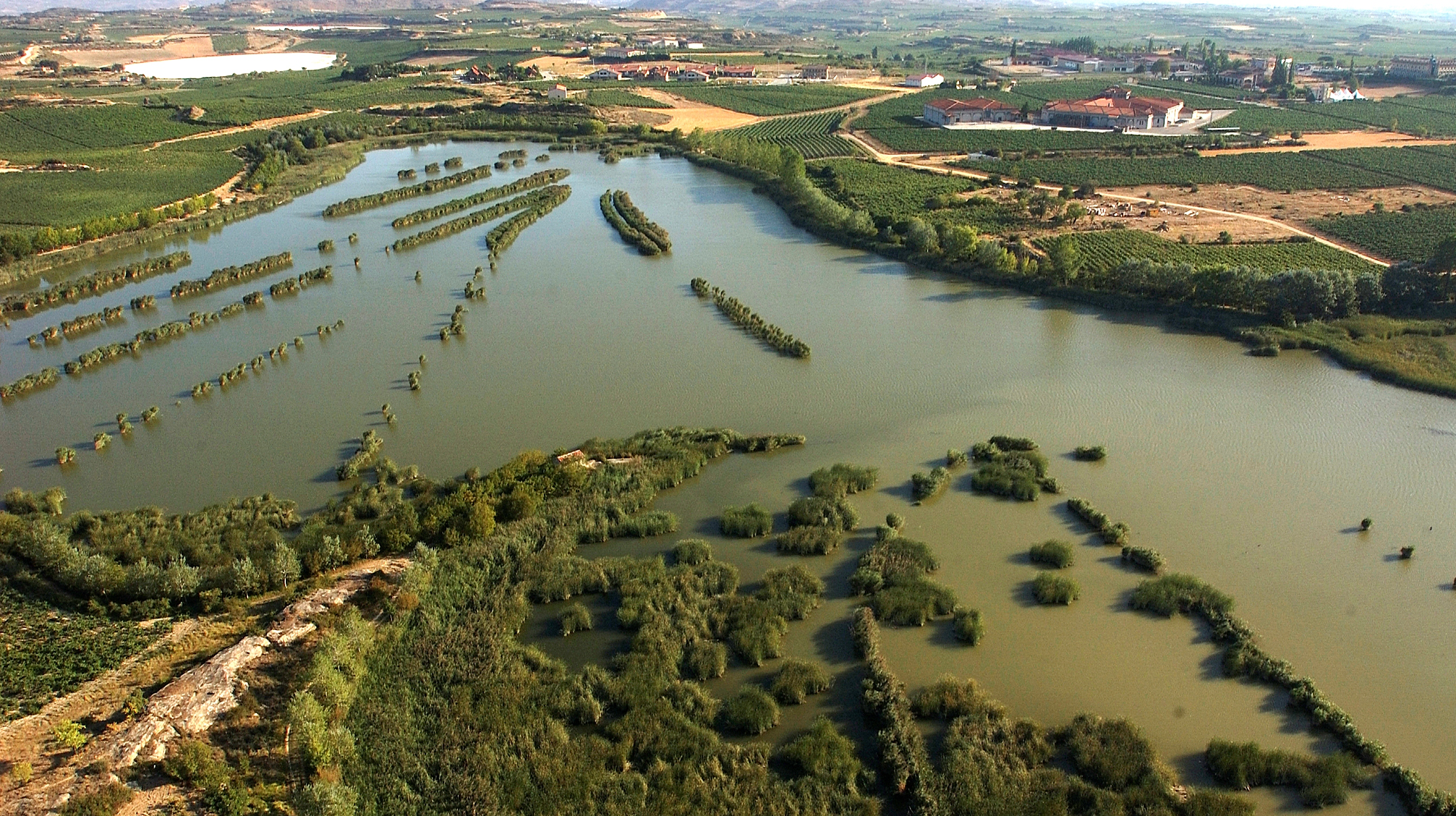 Resultado de imagen de Complejo de las Lagunas de Laguardia