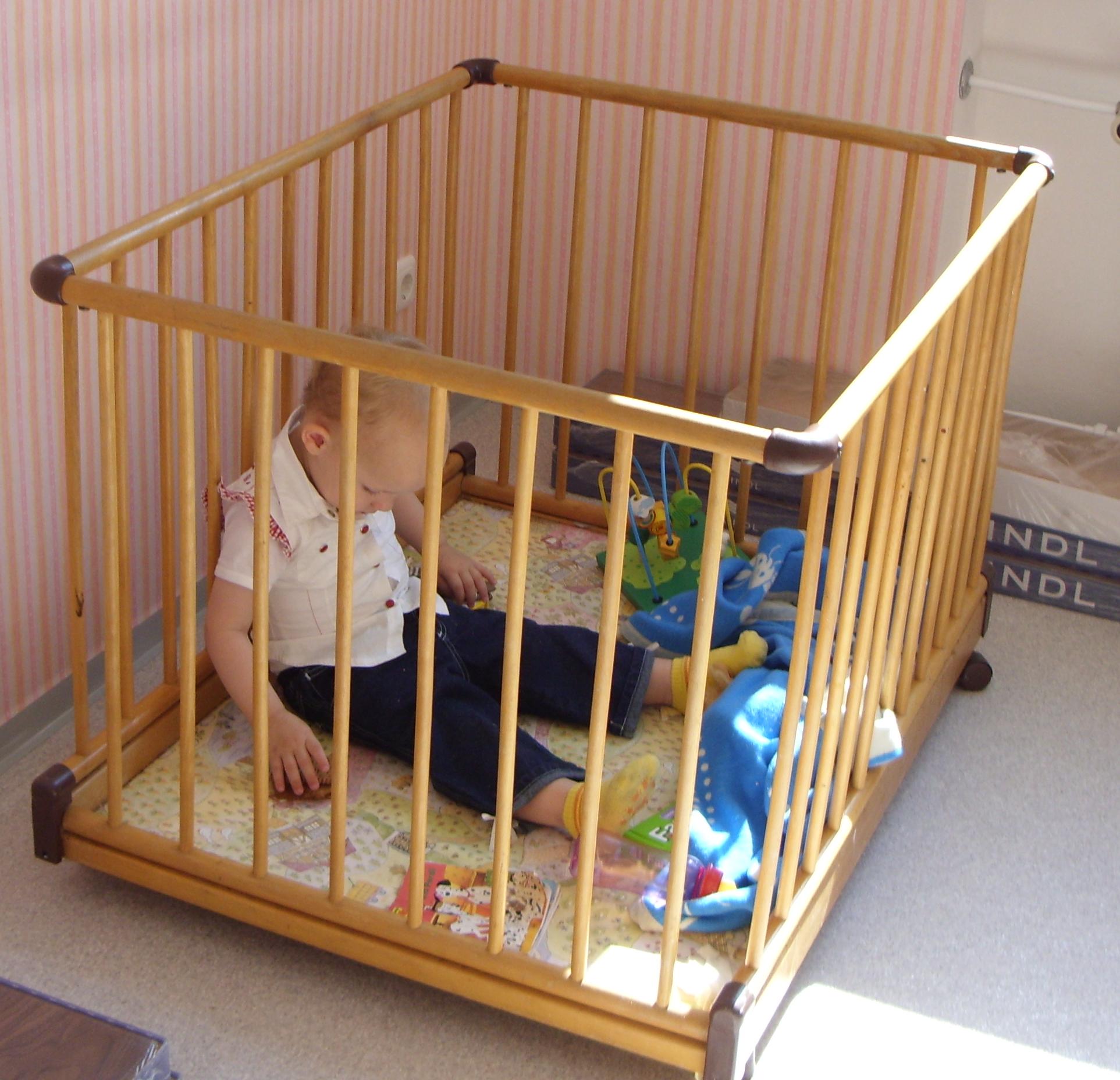 BABY PARK PLAYPEN WOODEN PLAYPEN Baby Home Safety Children playpens