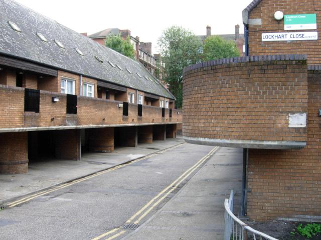 File:Lockhart Close, Lower Holloway - geograph.org.uk - 587718.jpg