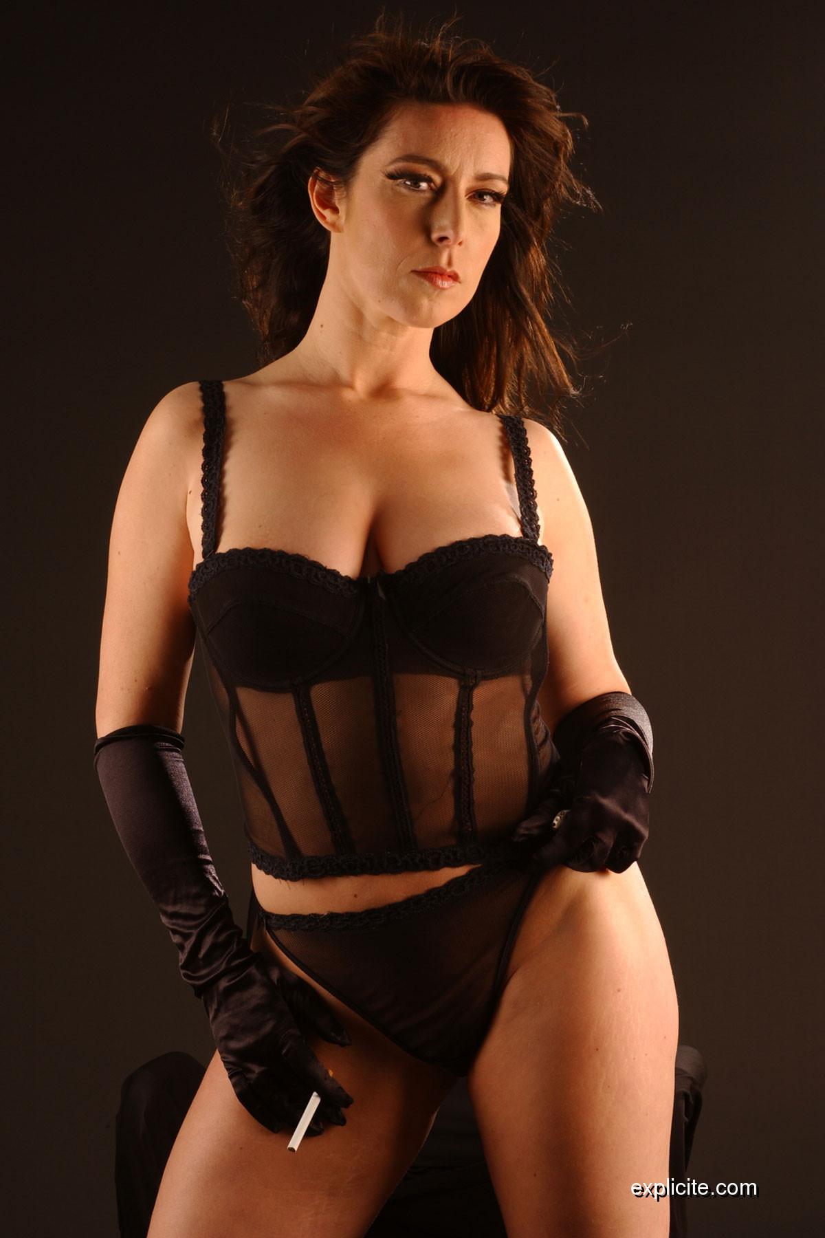 Lydia Saint Martin Nude Photos 89
