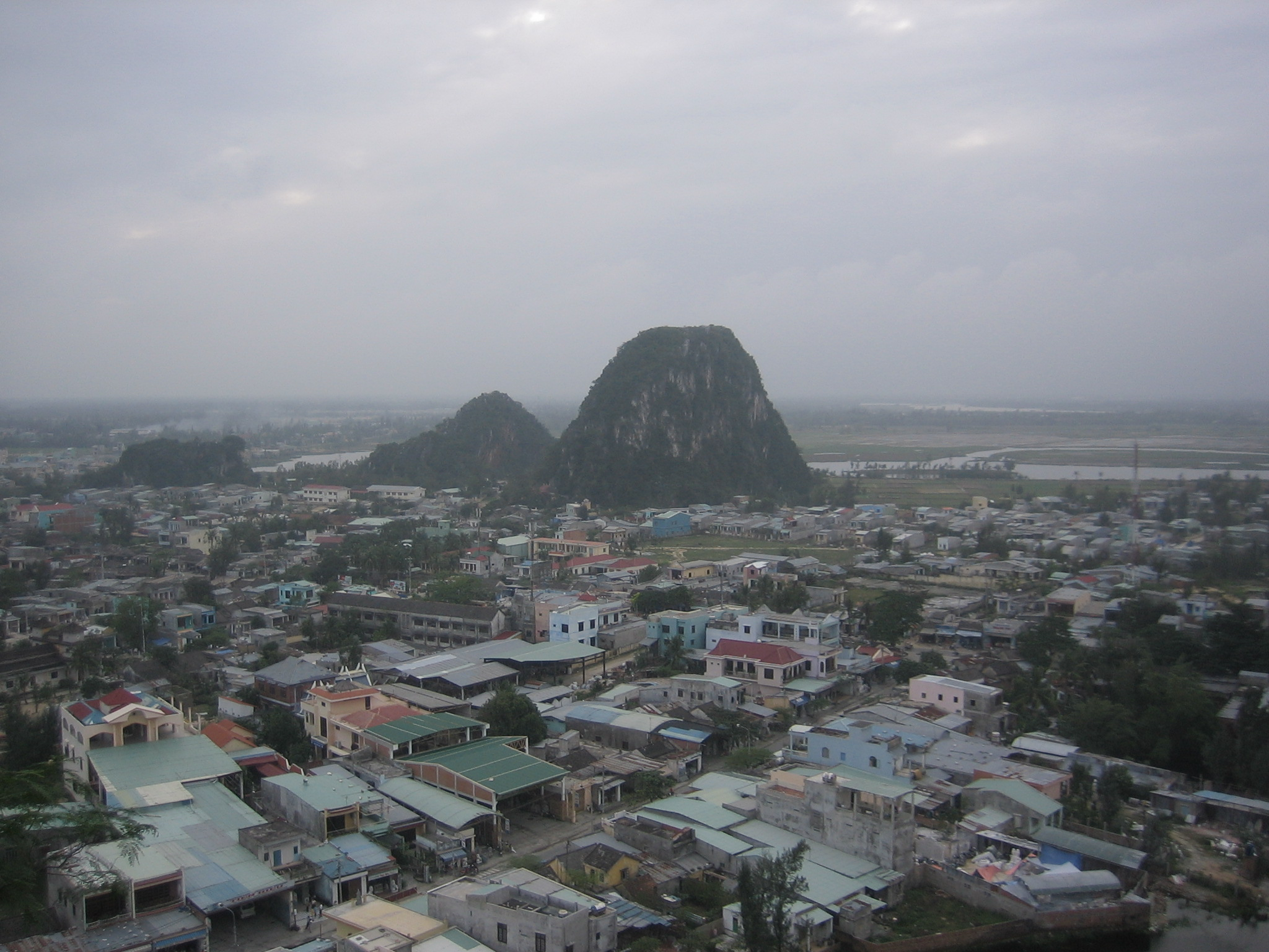 Da Nang Vietnam  city images : Description Marble Mountains, Da Nang, Vietnam 20071217
