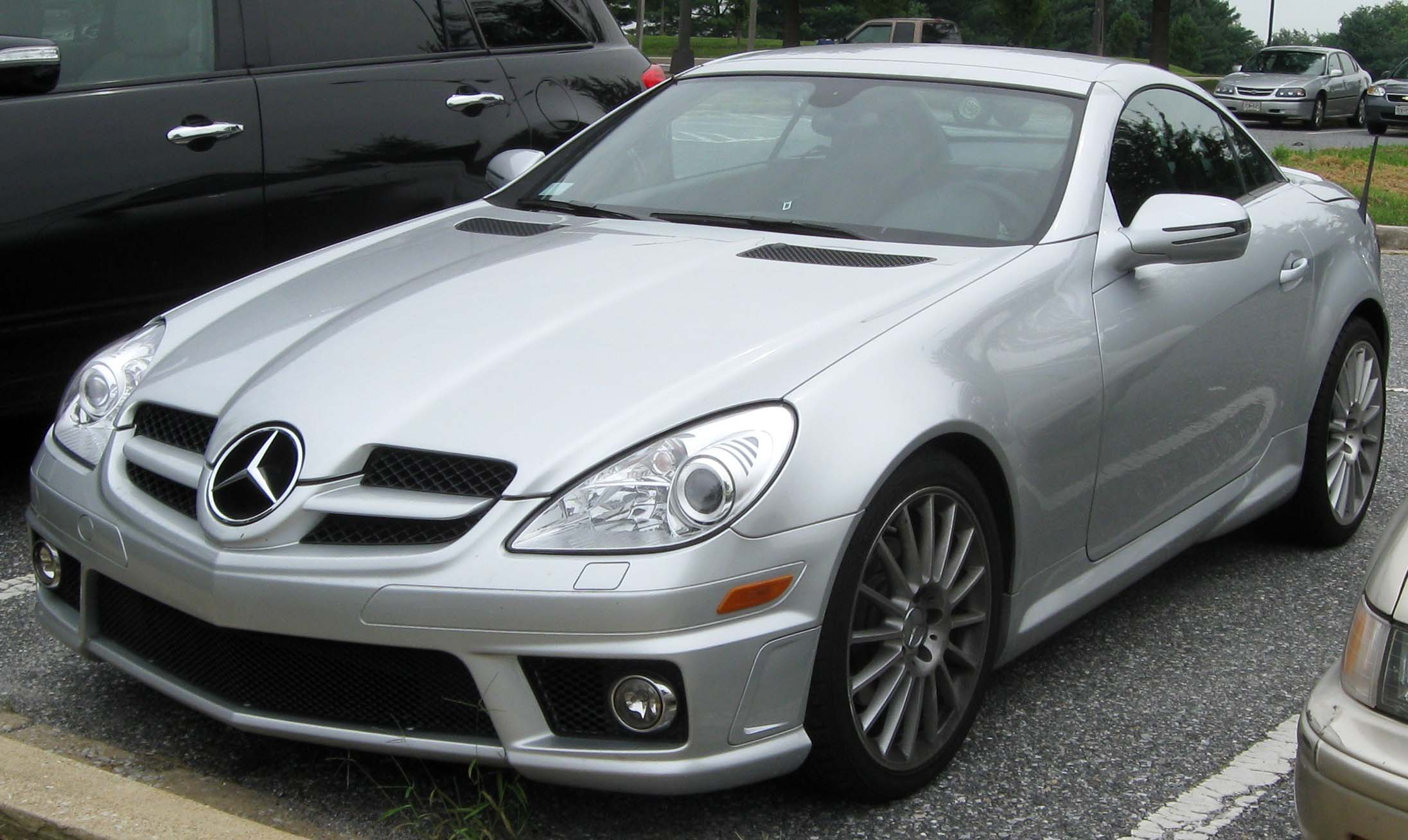 Image gallery 2005 mercedes benz slk for 2010 mercedes benz slk
