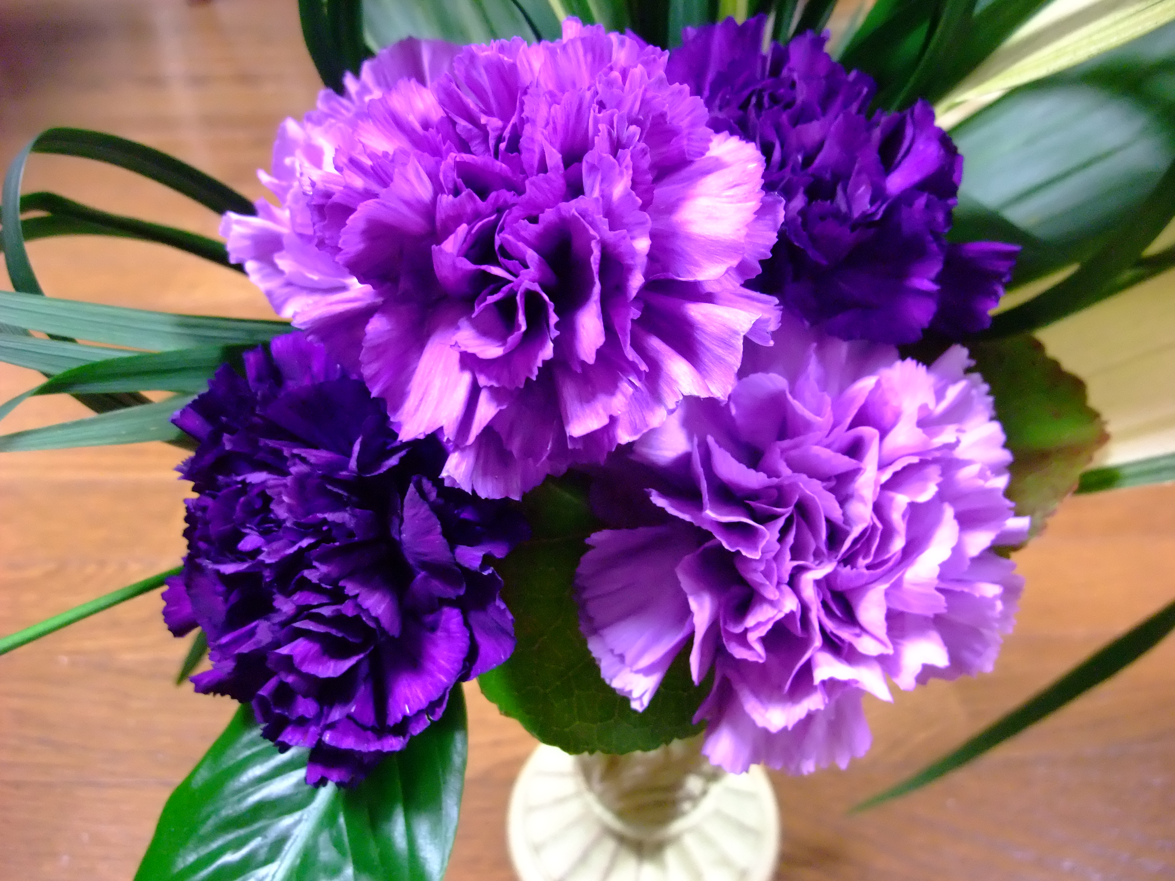 purple green wedding flowers