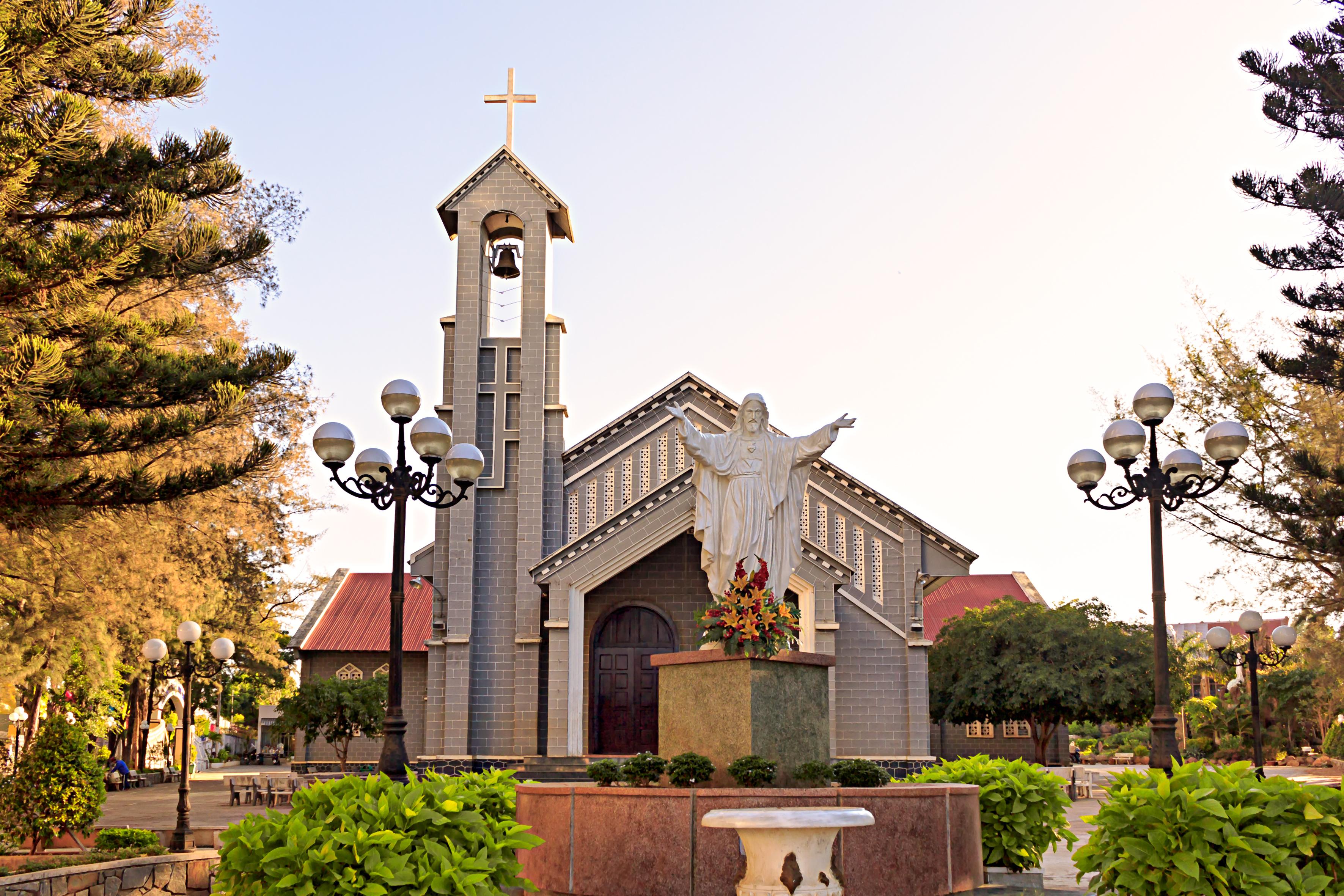 Nhà thờ chính tòa Ban Mê Thuột – Wikipedia tiếng Việt