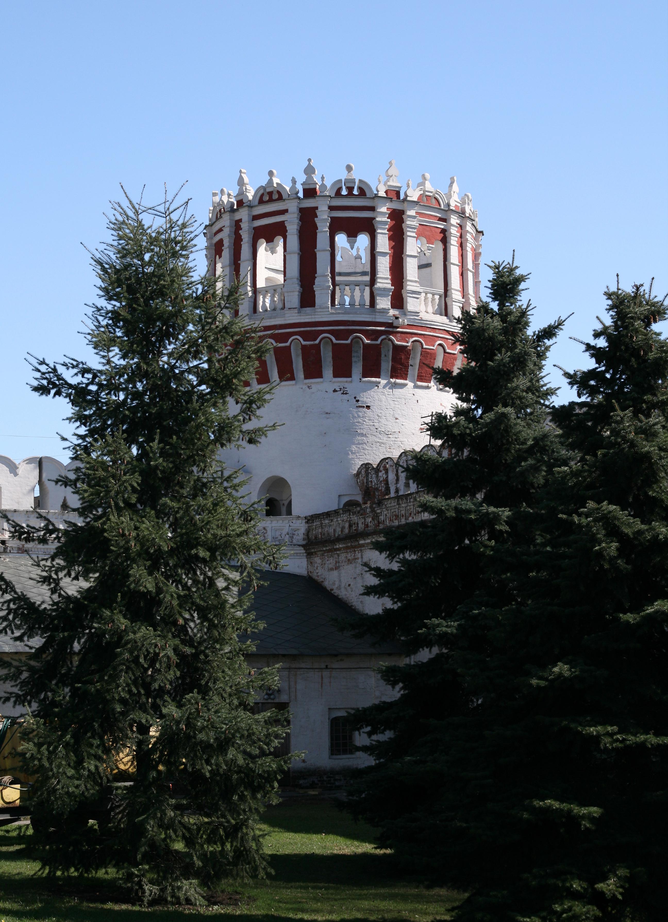 NovodevichyConvent ChebotarnayaTower.JPG