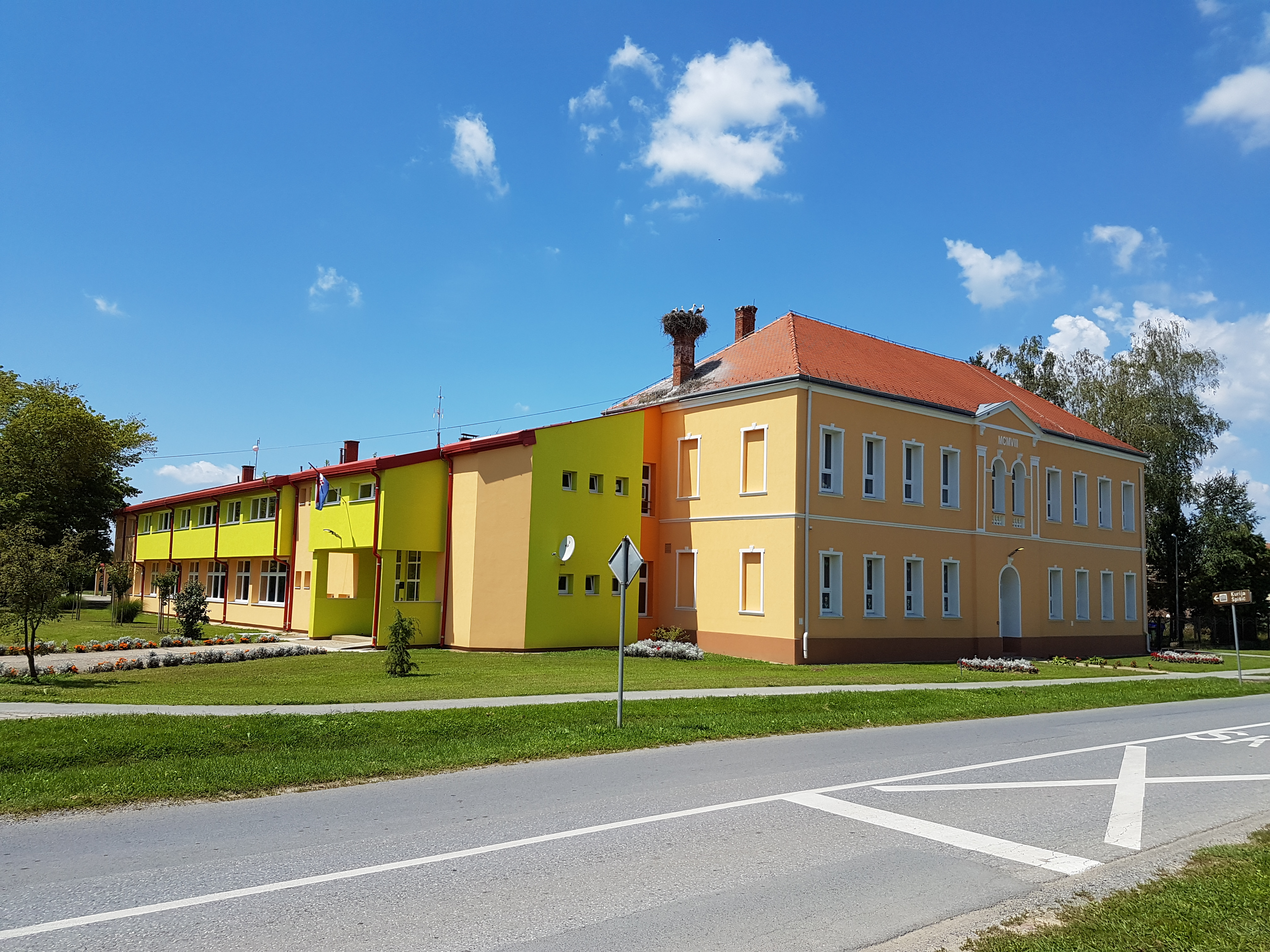 File Osnovna Skola August Cesarec Spisic Bukovica Jpg