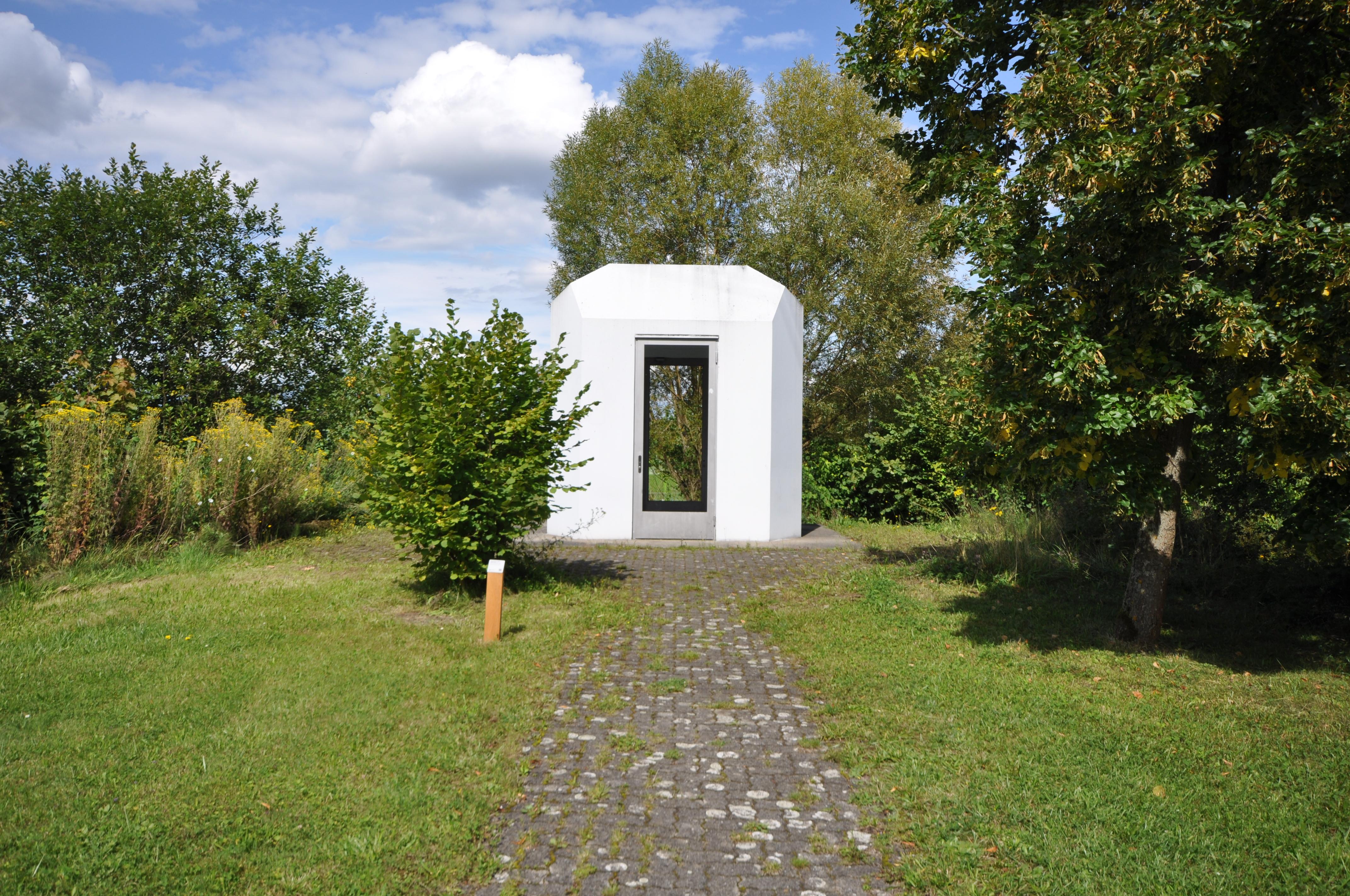 file pavillon kunstwerk von peter storrer in hirzenbach  file pavillon kunstwerk von peter storrer in hirzenbach 2014 08