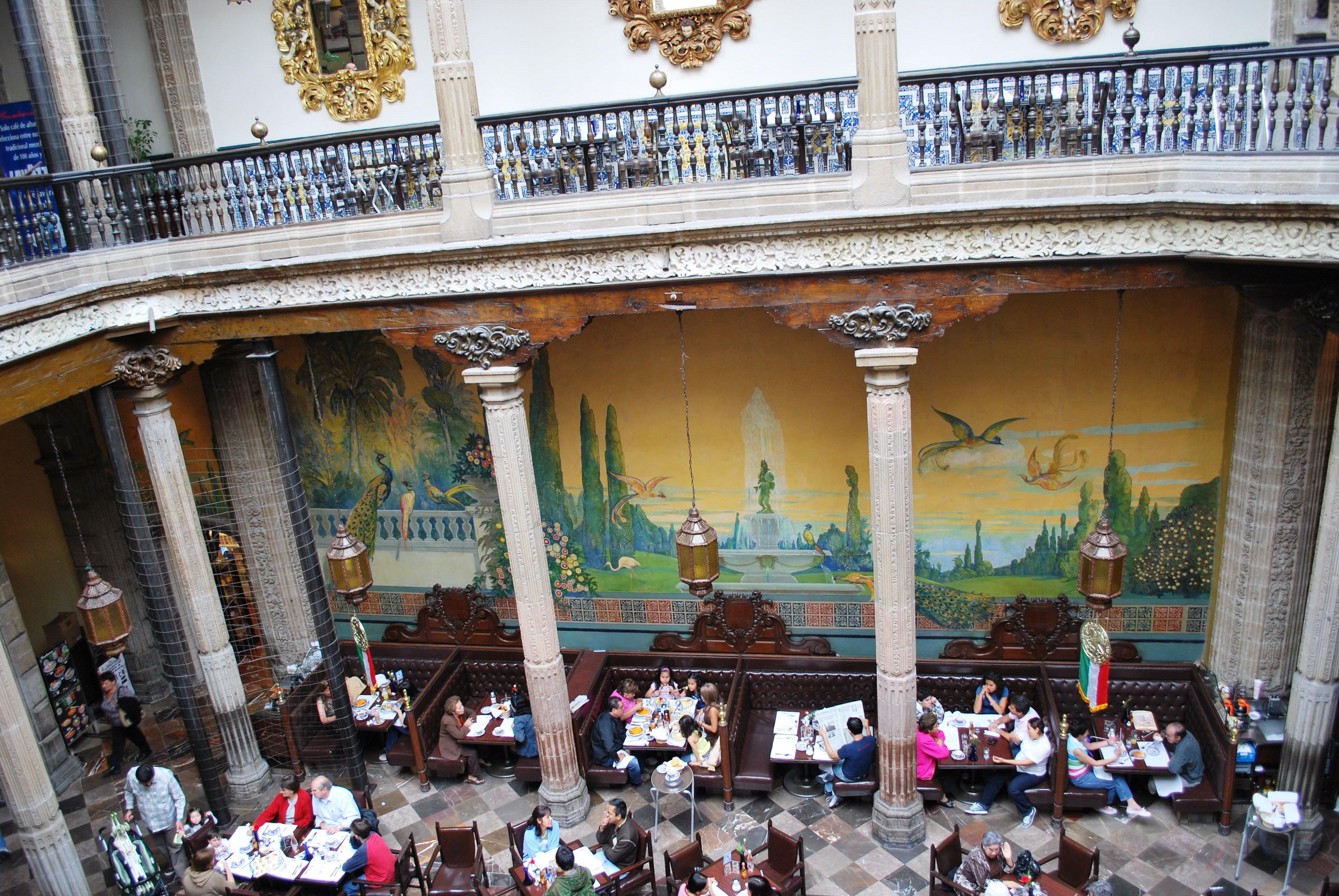 Casa de los azulejos for Restaurante azulejos