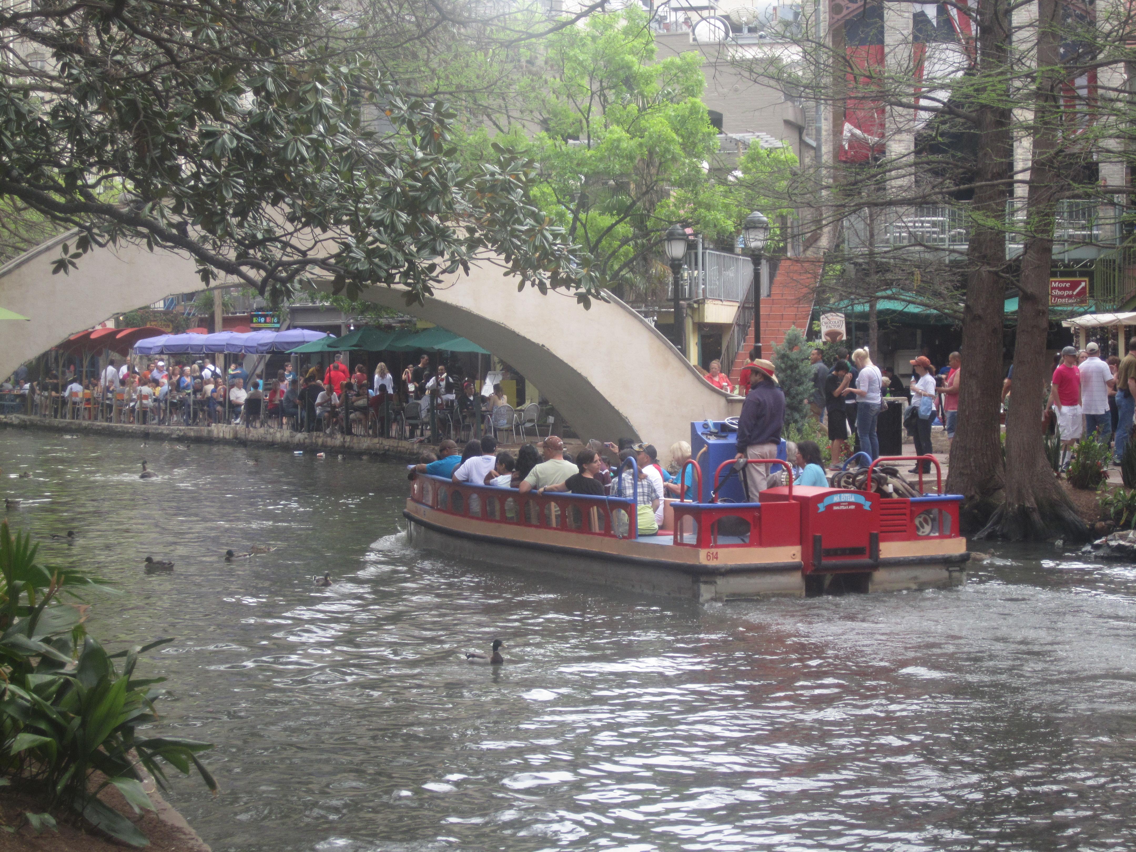 File River Walk Near Rainforest Cafe In San Antonio Tx