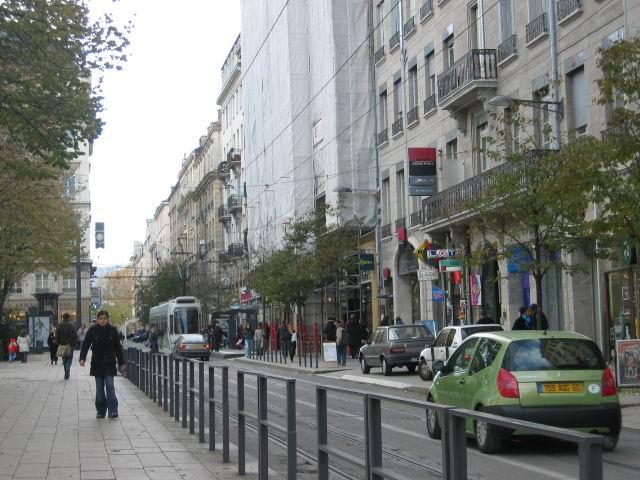 Saint-Etienne France  city photo : Saint Etienne tram street Wikipedia, the free encyclopedia