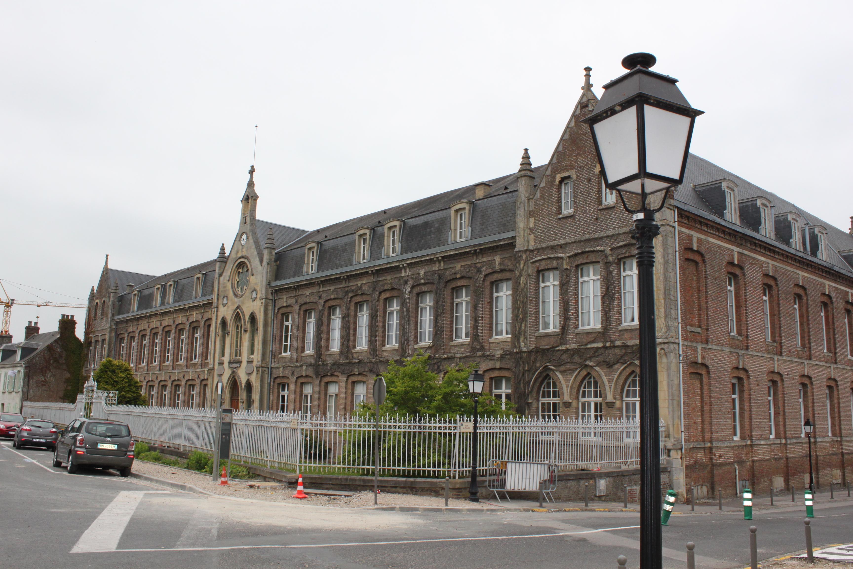 File saint valery sur somme hopital jpg wikimedia commons - Chambre saint valery sur somme ...