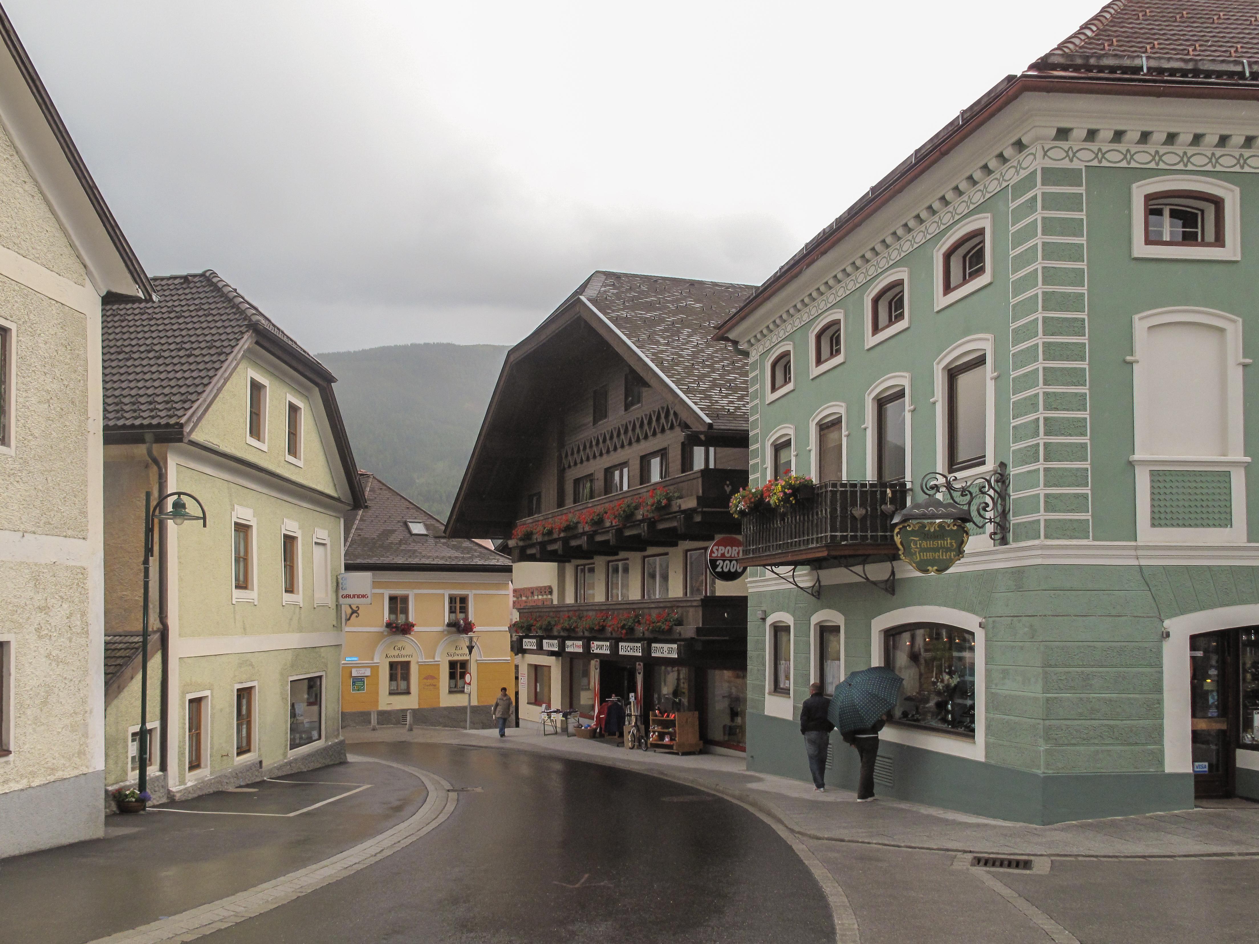 Salzburg to Sankt Michael im Lungau - 3 ways to travel via