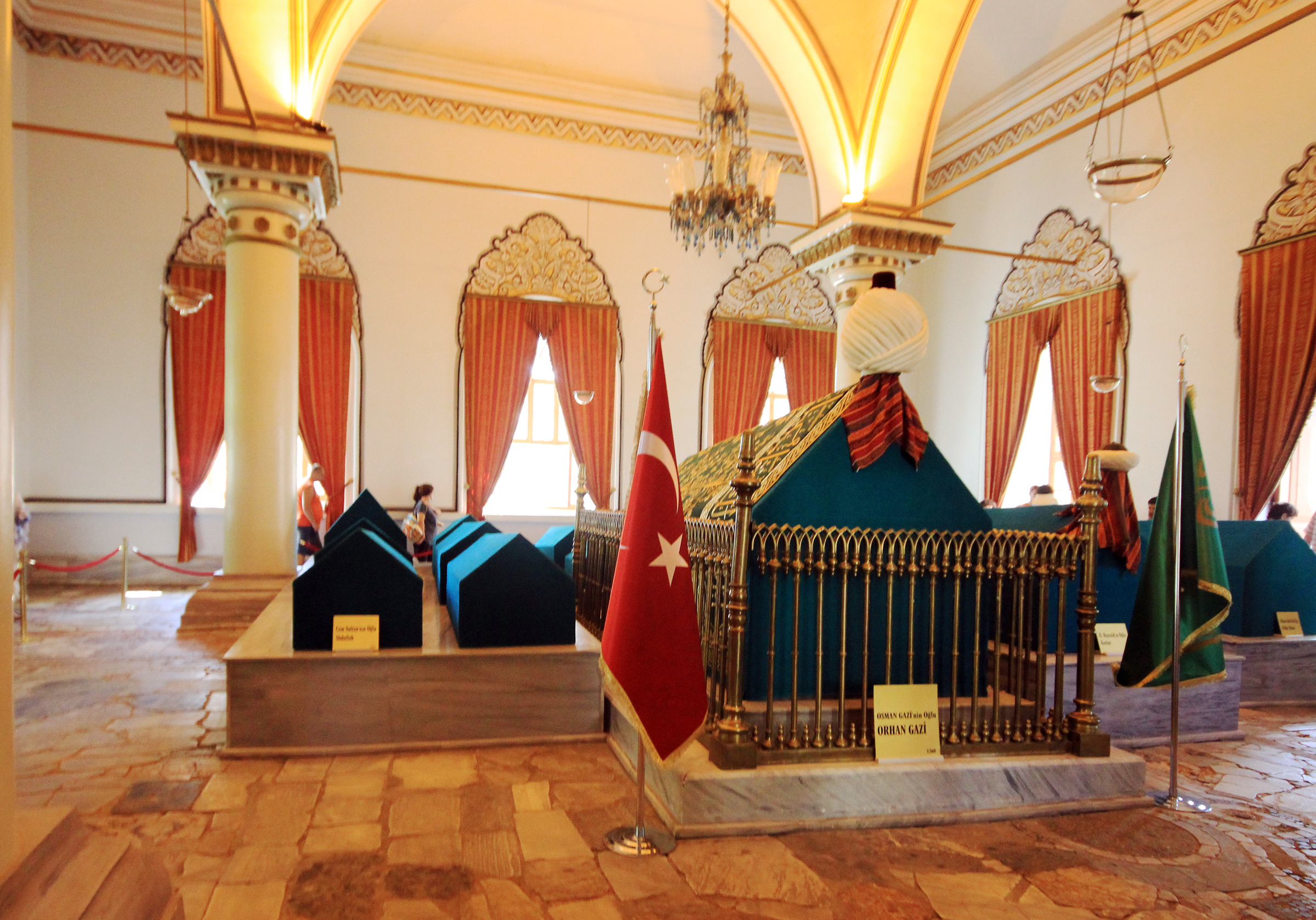 File:Sultan Orhan tomb Bursa Turkey 2013 4.jpg - Wikimedia ...