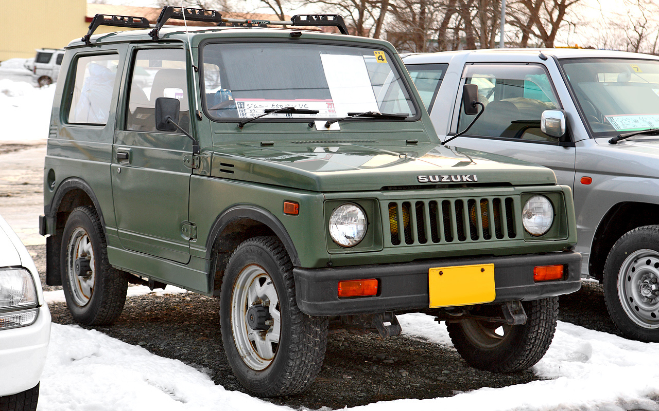 https://upload.wikimedia.org/wikipedia/commons/6/6d/Suzuki_Jimny_SJ30_001.JPG