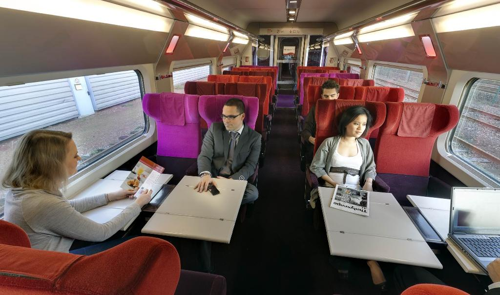 File thalys interieur comfort wikimedia commons for Auto interieur reinigen amsterdam