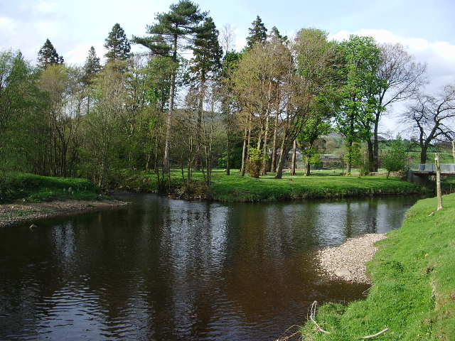The confluence of the River Hodder and the River Dunsop - geograph.org.uk - 414270