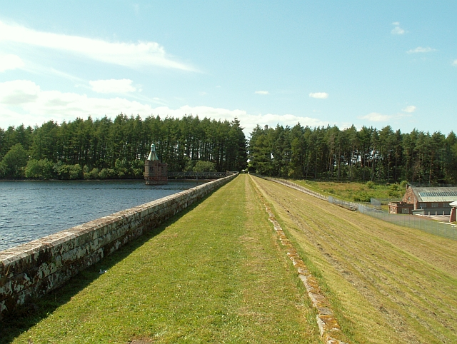 The dam, Castle Carrock Reservoir - geograph.org.uk - 1433200