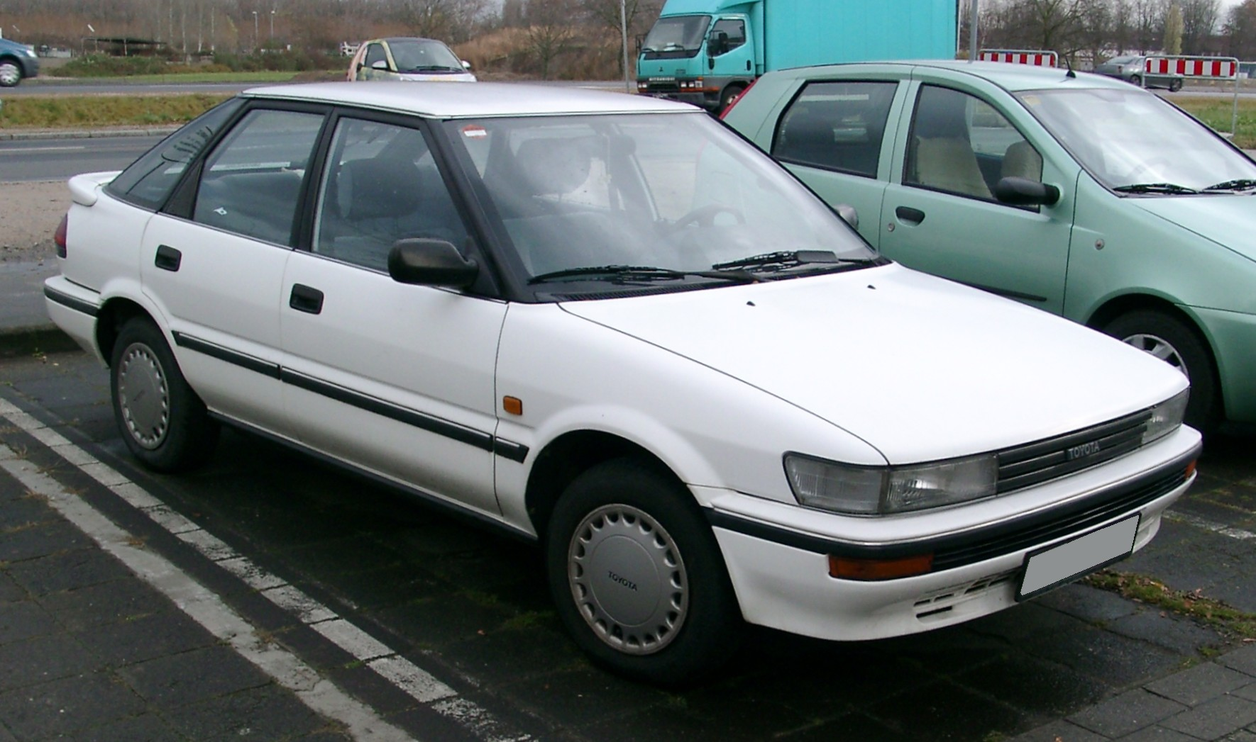 Example of a used Toyota Corolla sedan from online Japanese used cars exporter BE FORWARD.