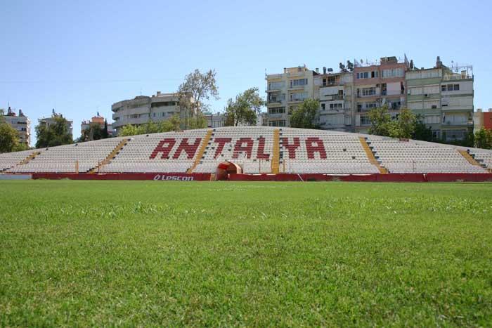 Atatürk Stadı Antalya 10.000 Antalyaspor