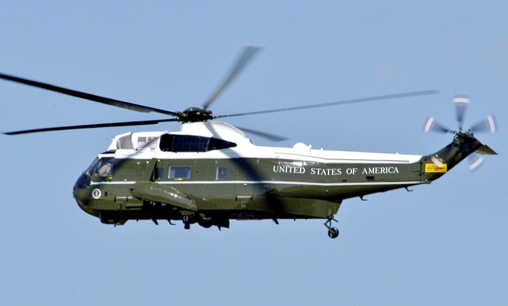 VH-3D_Marine_One_over_Washington_DC_May_