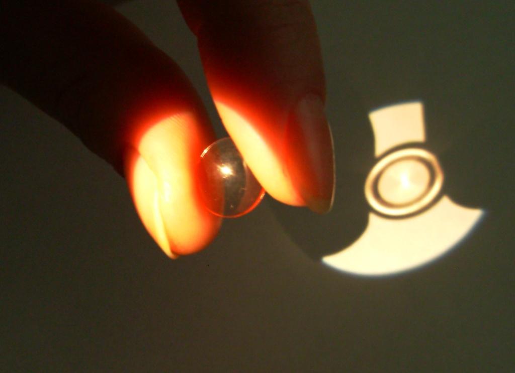 Ночные жесткие контактные линзы для коррекции зрения