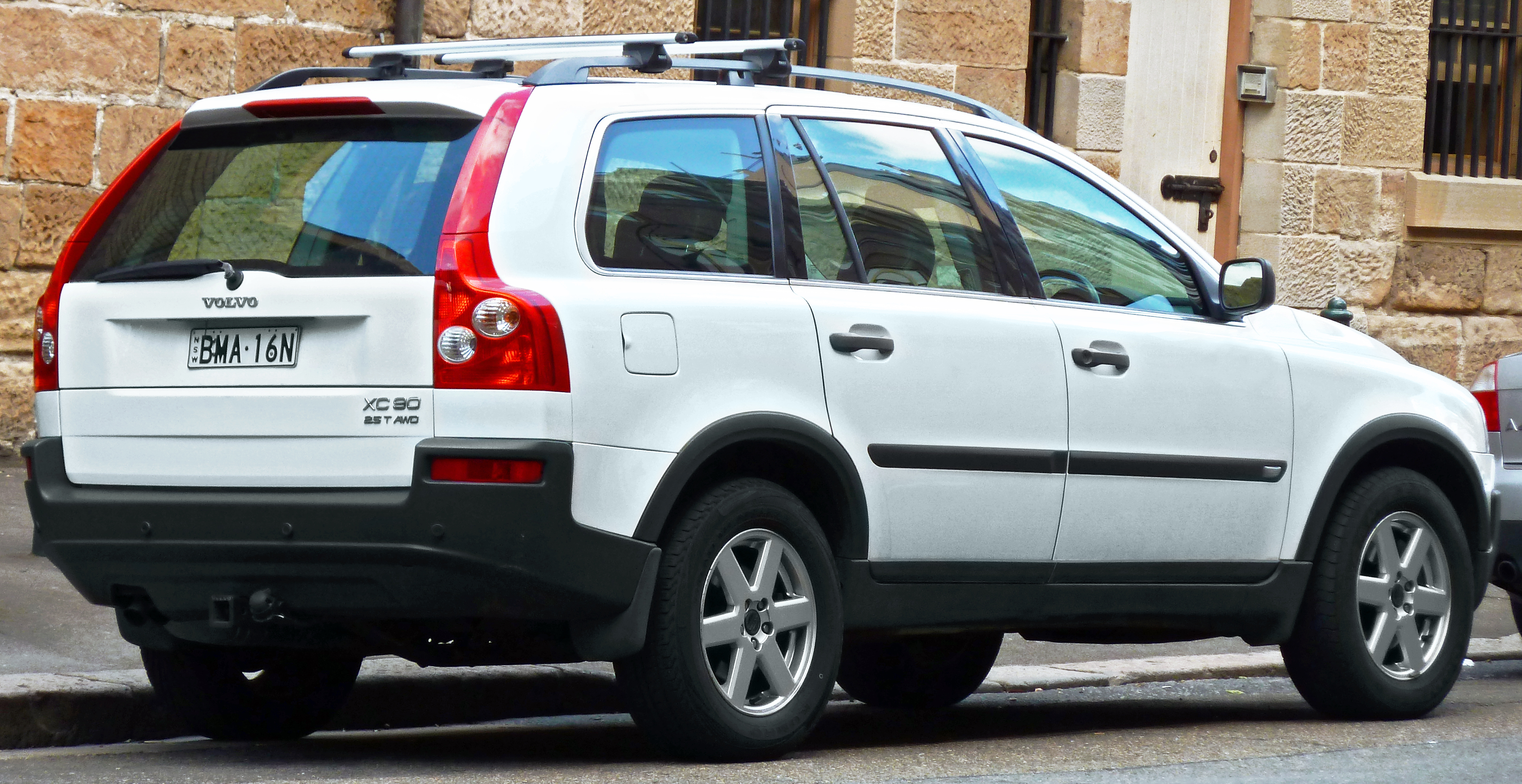 File 2003 2006 Volvo Xc90 P28 2 5 T Wagon 2011 11 04 Jpg