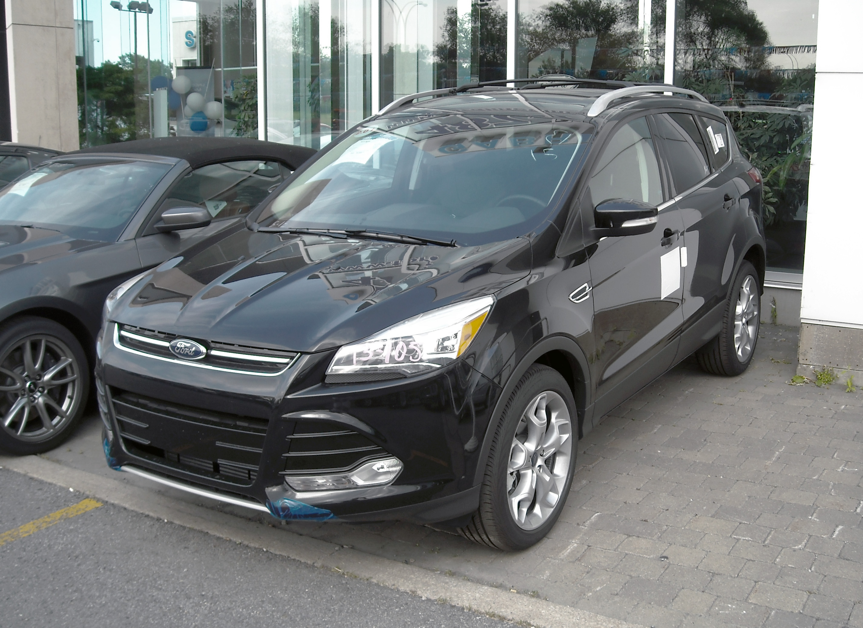 Ford Escape 2014 Custom >> File:2013 Ford Escape SL AWD.jpg - Wikimedia Commons