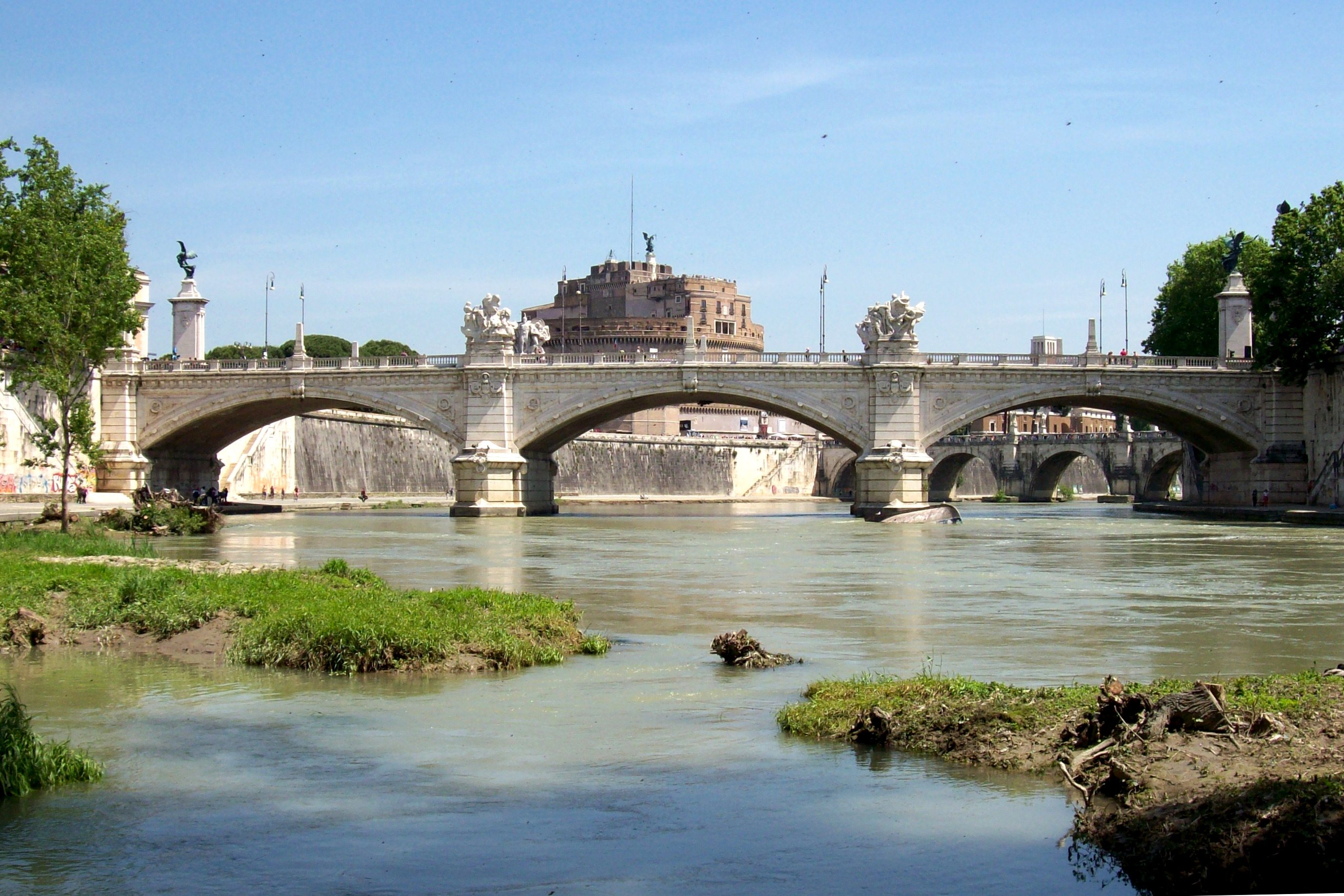File:2014-05-10 Ponte Vittorio Emanuele II Roma.jpg - Wikipedia