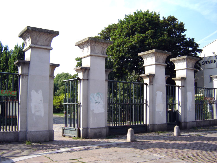 Abney Park Cemetery - Wikipedia