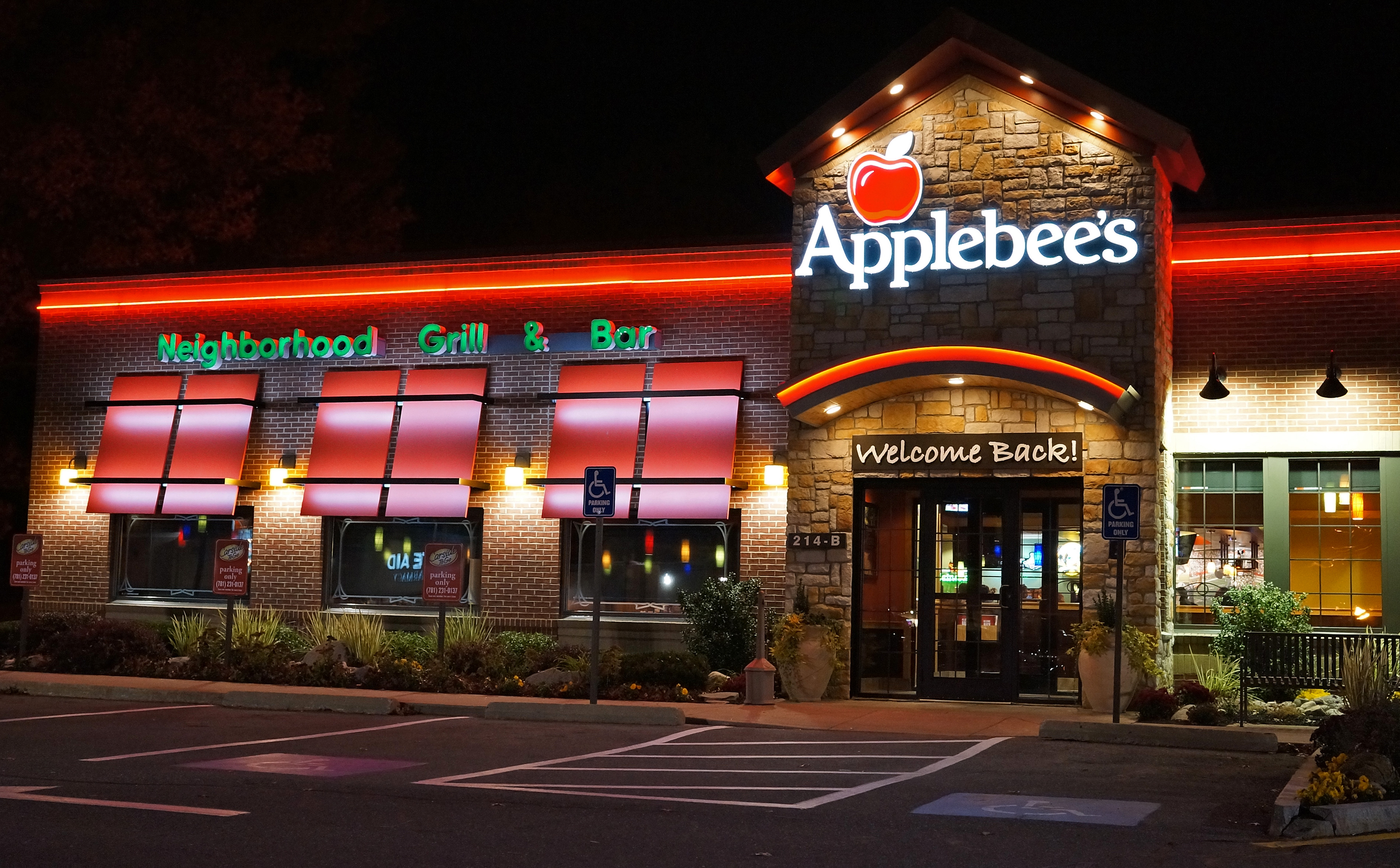 Applebee's Neighborhood Grill and Bar is a causal dining restaurant serving mainstream American dishes such as salads, burgers, sandwiches and steaks.