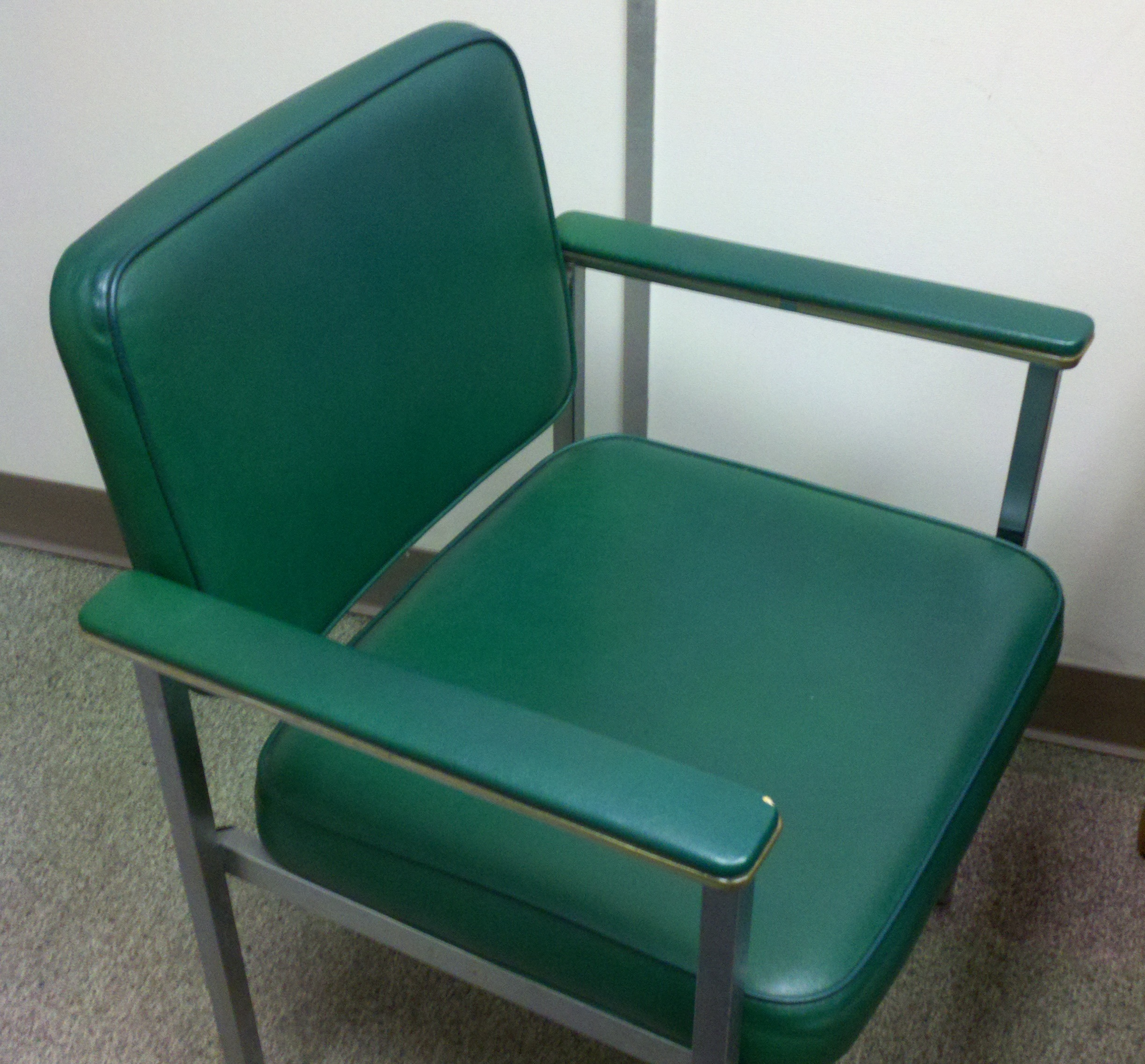 File Awesome green chair Wikimedia mons